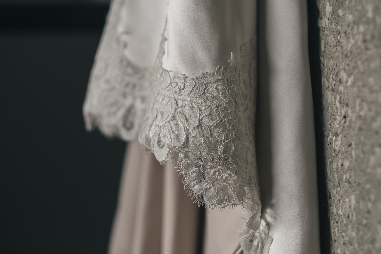 Picture of a wedding dress detail in Toledo, Ohio wedding.