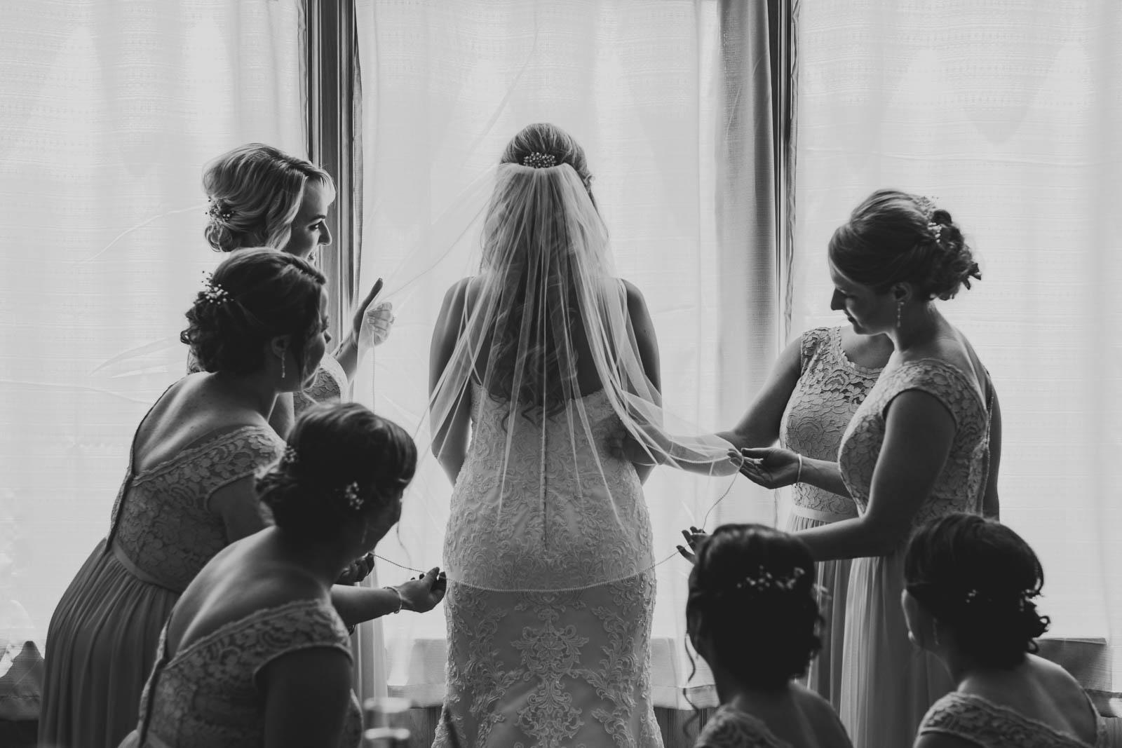 Bridesmaids Before Wedding at Stone Ridge Golf Club in Bowling Green Ohio