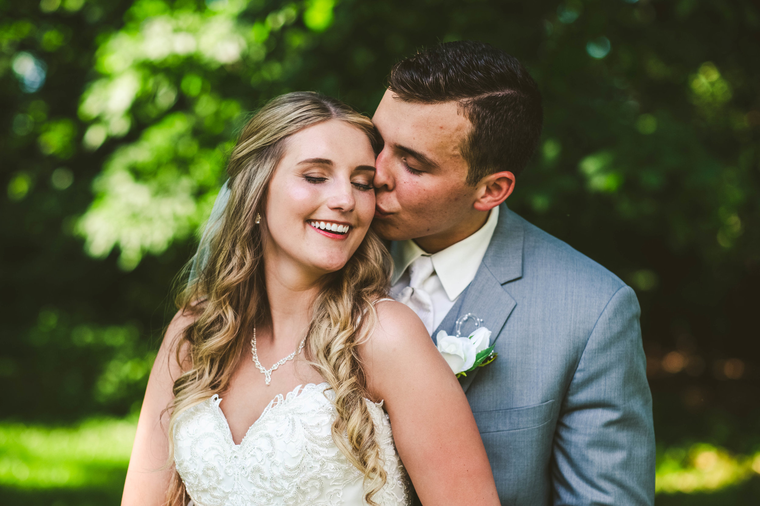 Bride and Groom at Stone Ridge Golf Club on Wedding Day with Toledo Photographers