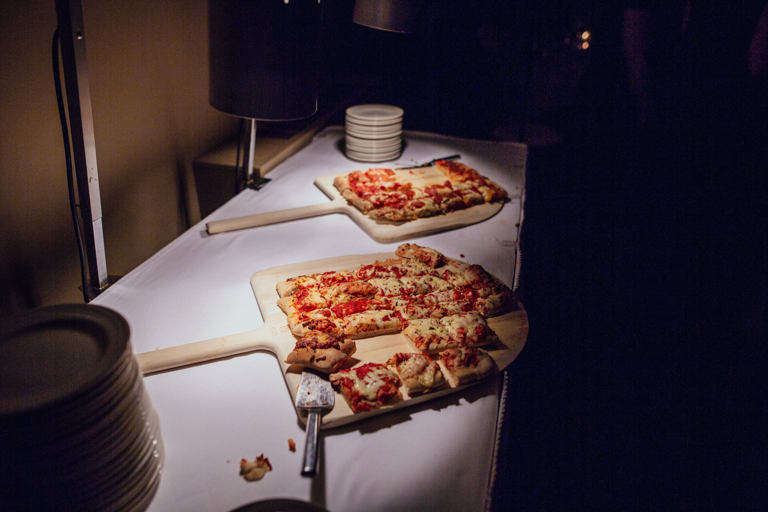Pizza as Late Night Snack at Wedding in Toledo Ohio with Toledo Wedding Photographers