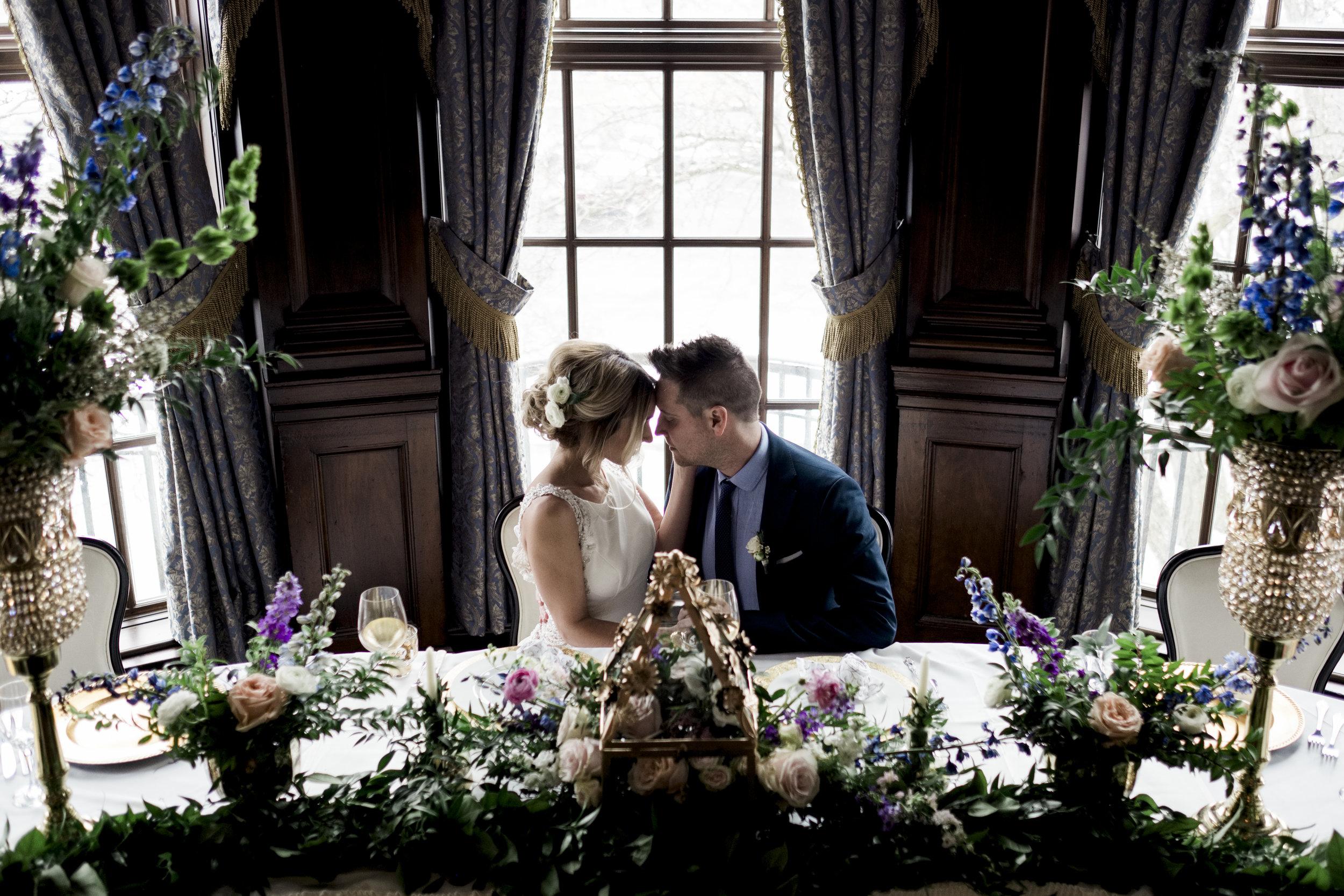 Toledo Wedding Photographers Capture Couple at Toledo Club Styled Shoot