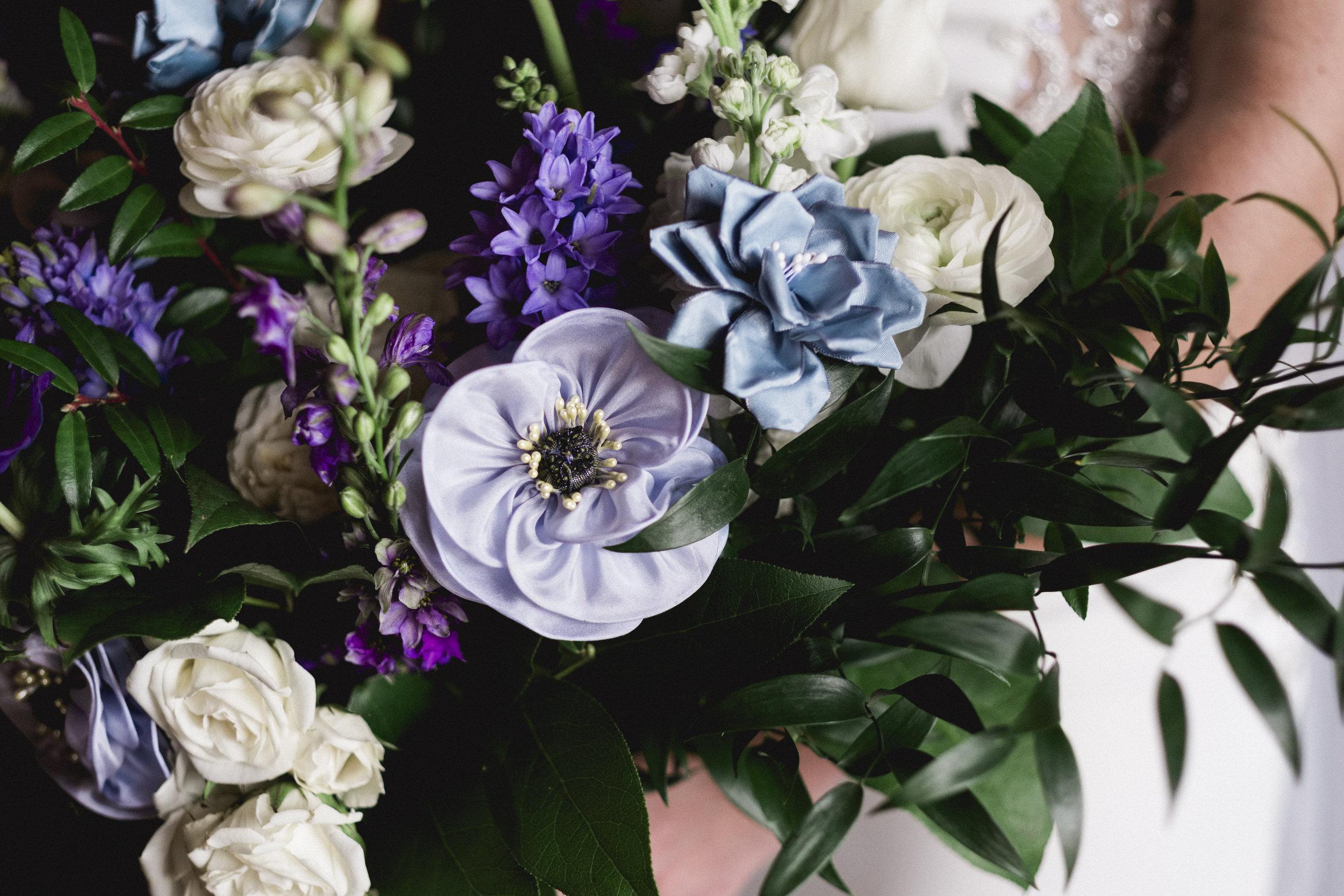 Flowers at Toledo Club for Wedding Day with Toledo Wedding Photographers