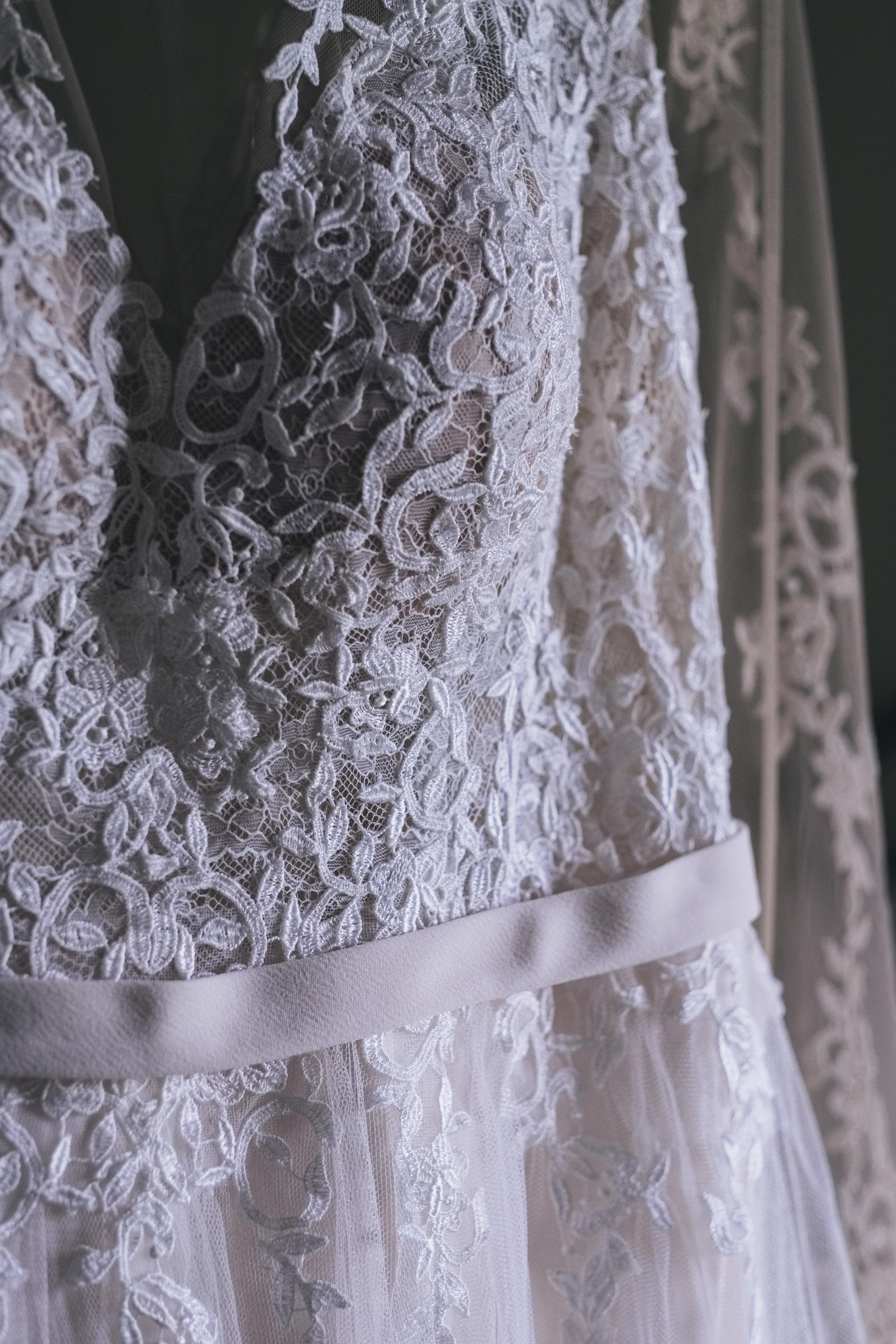 Lace Wedding Dress Photo by Toledo Ohio Photographers