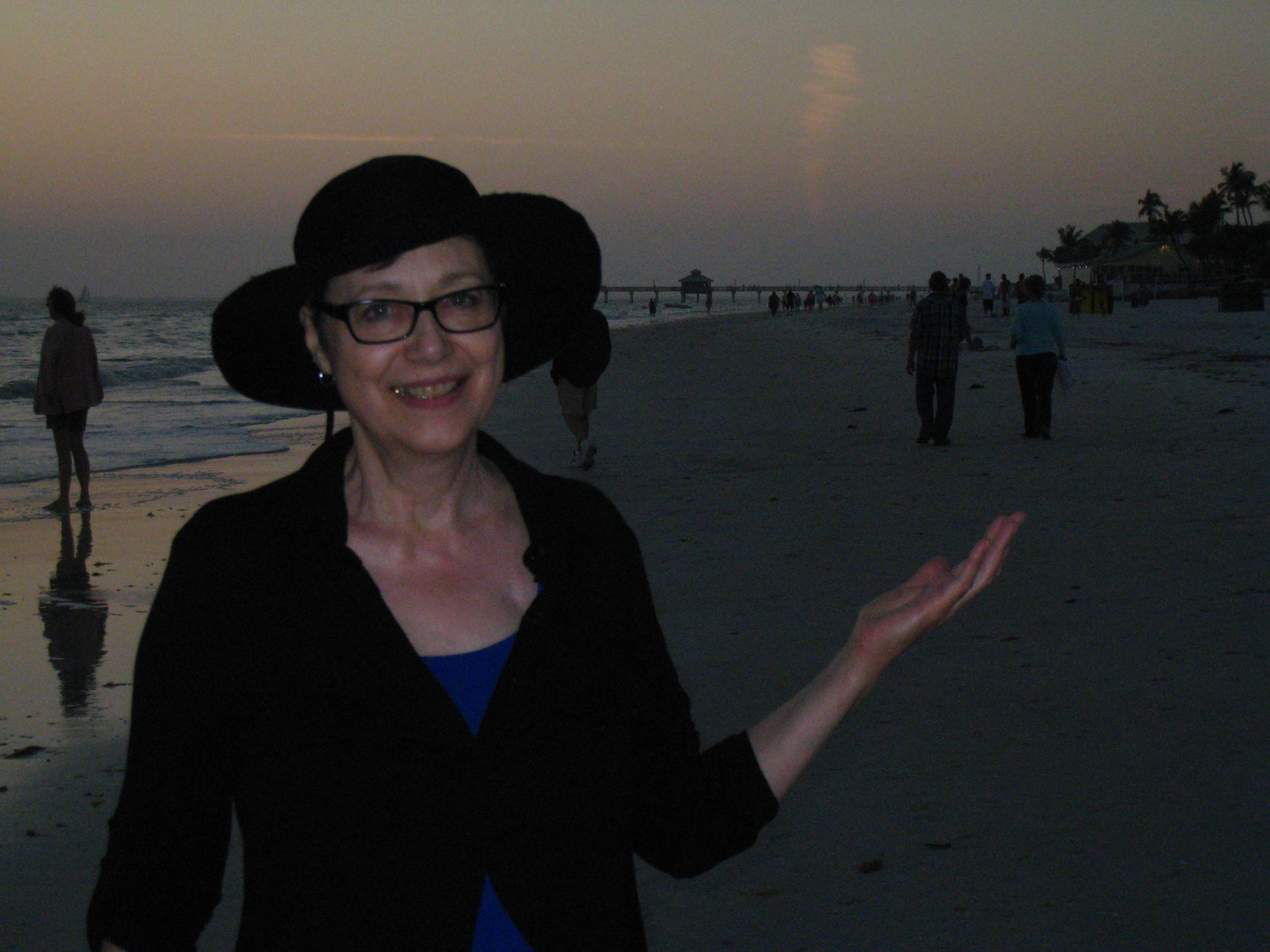 Loretta-On-the-Beach_2013-02-12_IMG-2257b.jpg