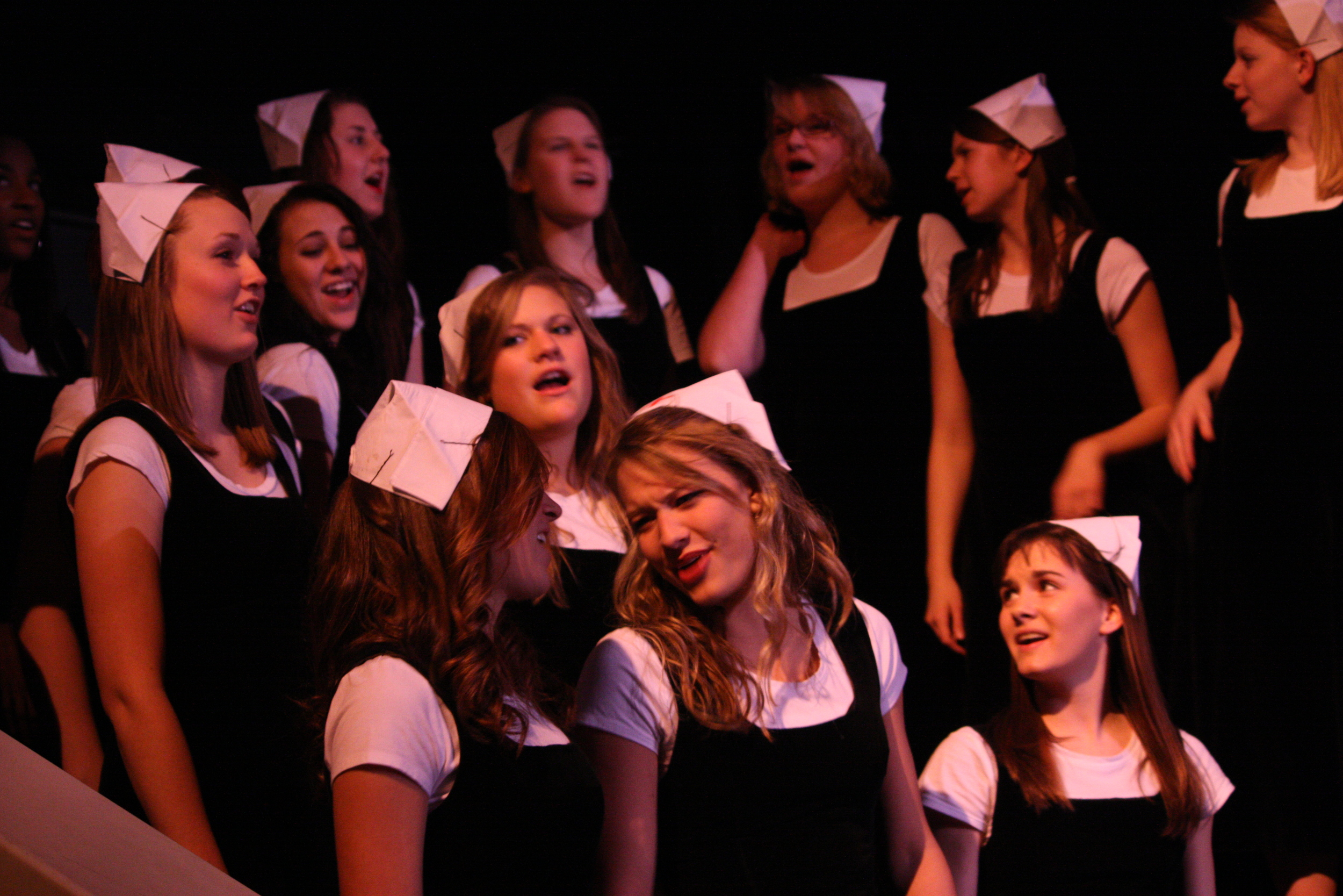 2010 South Pacific in concert 216.jpg