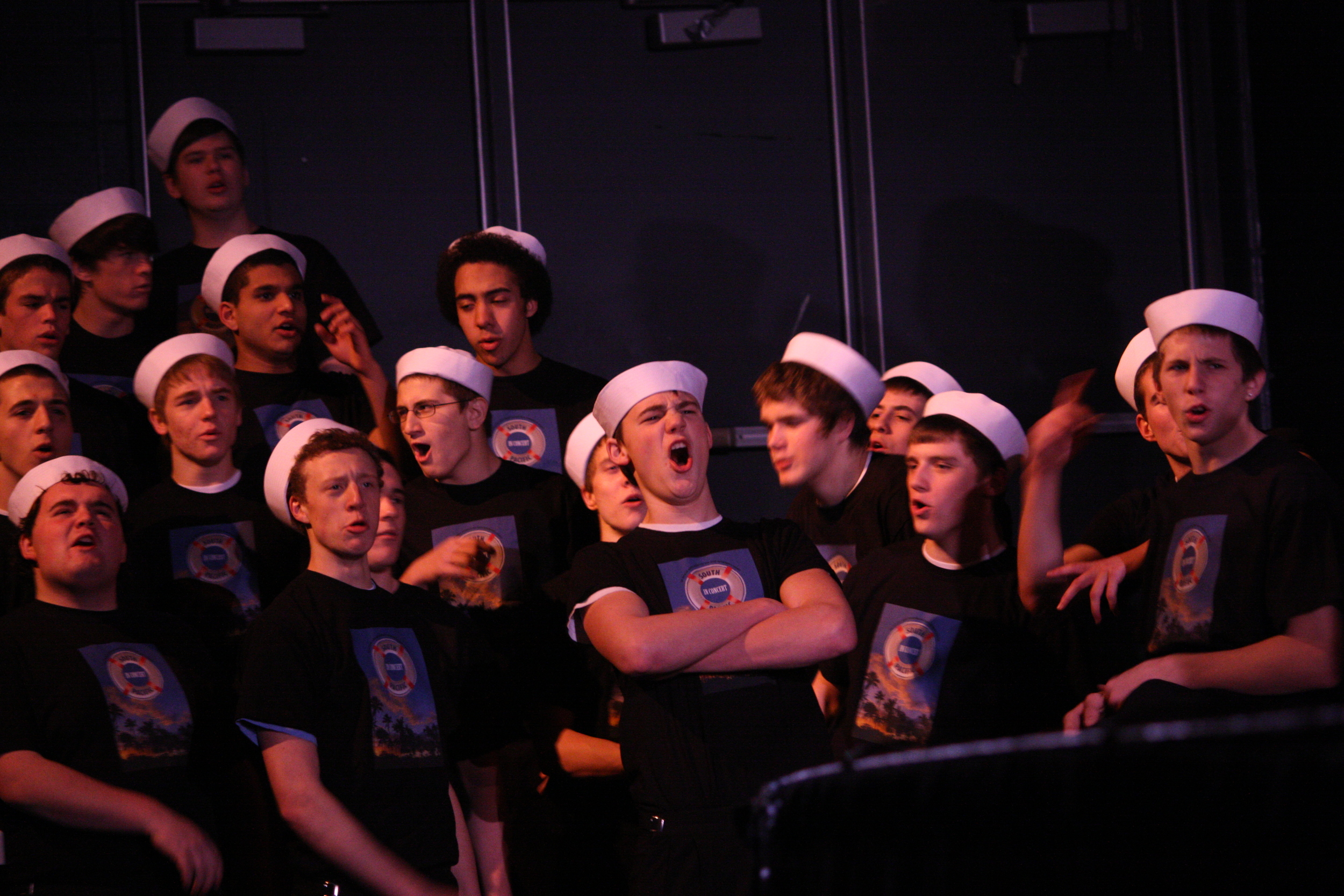 2010 South Pacific in concert 305.jpg