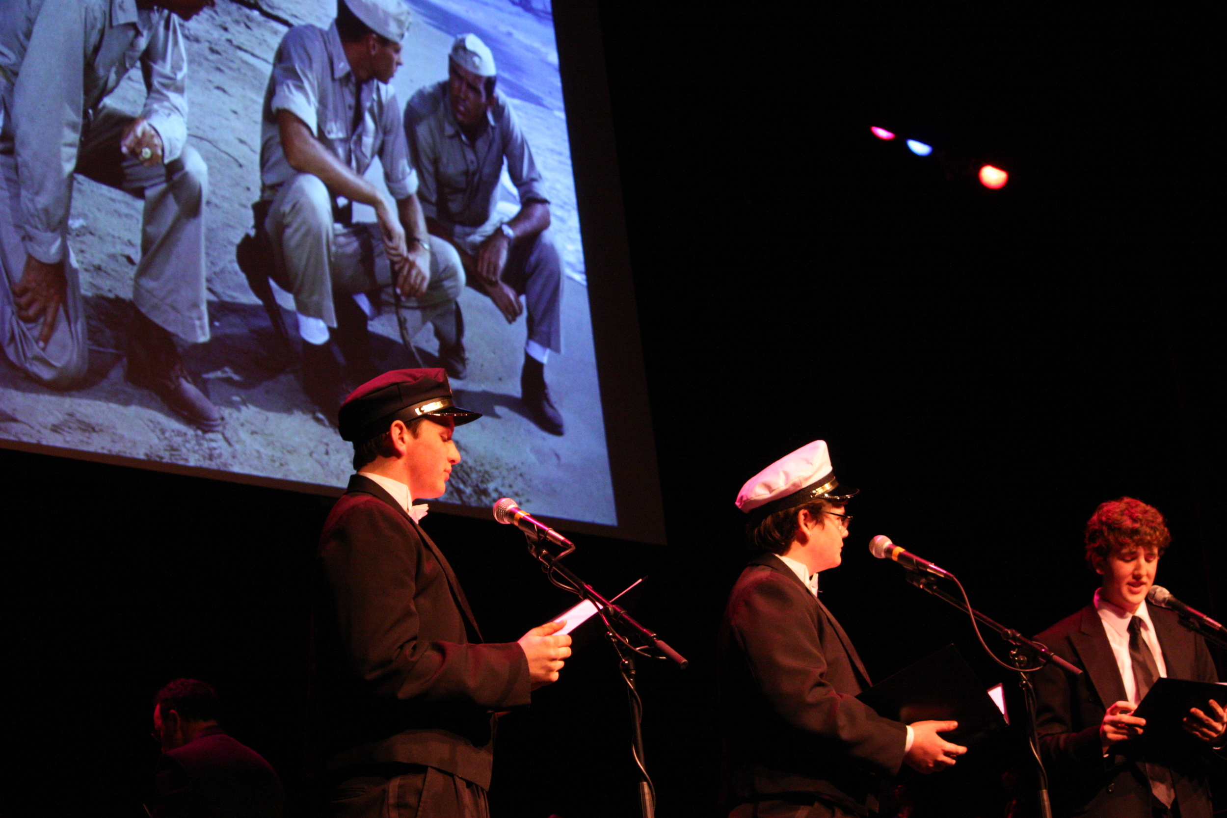 2010 South Pacific in concert 215.jpg