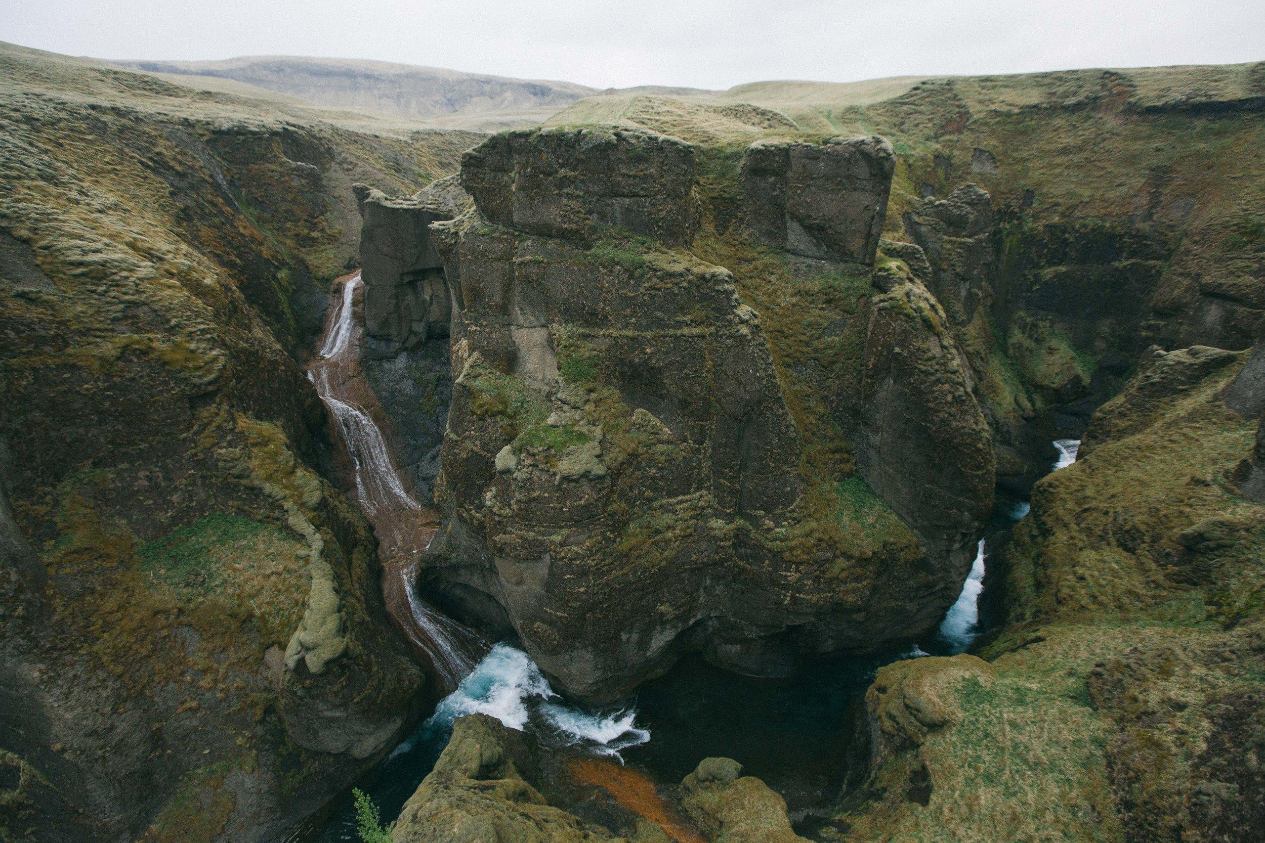 iceland_waterfall-7661.jpg