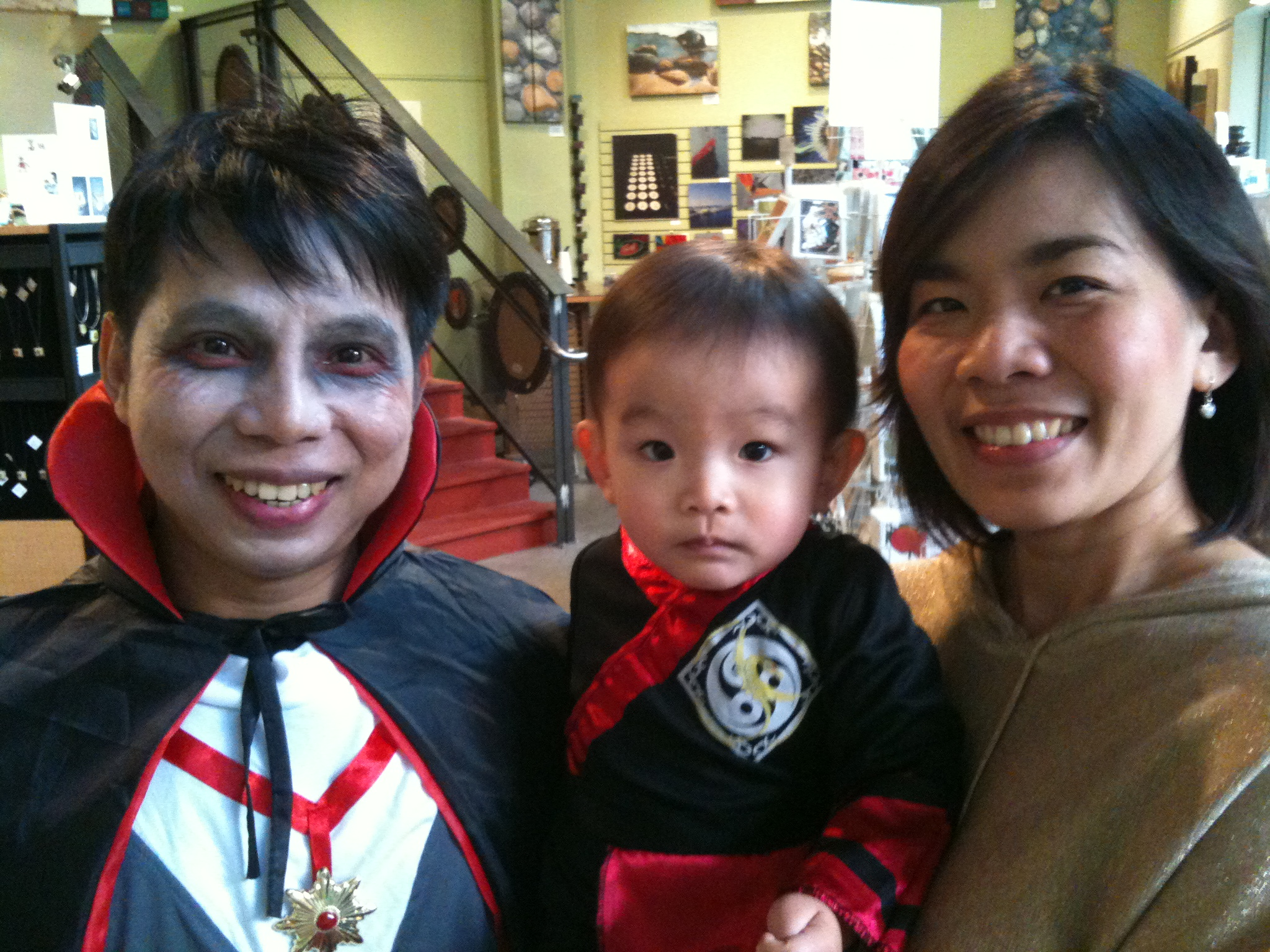halloween 2011 130.jpg