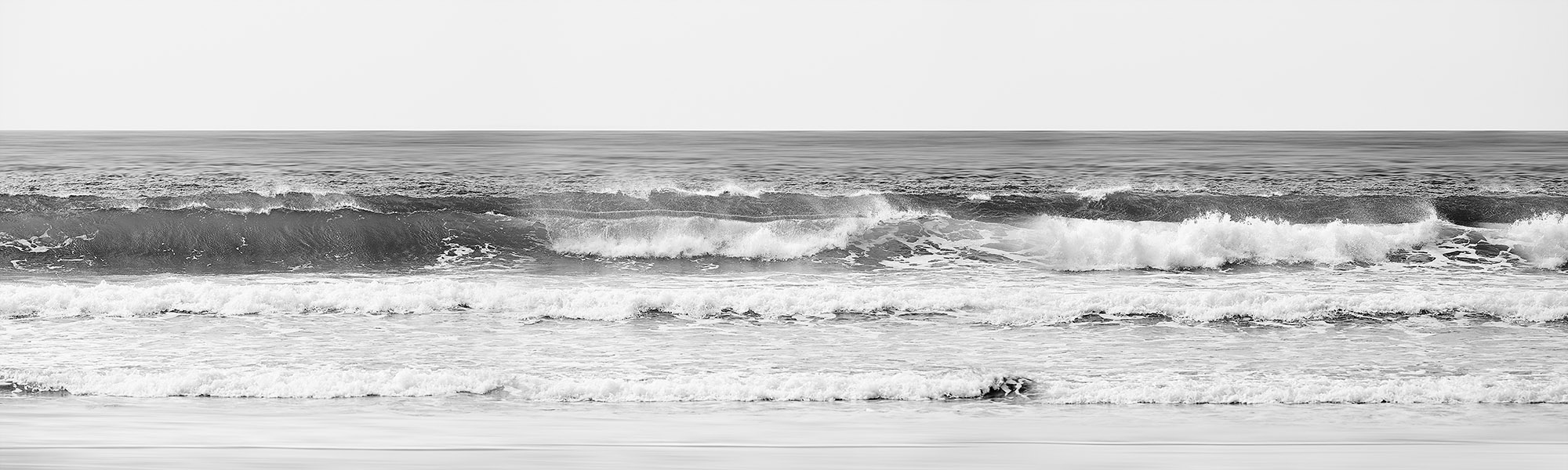 NAT2019-15 Crashing Waves (b/w)
