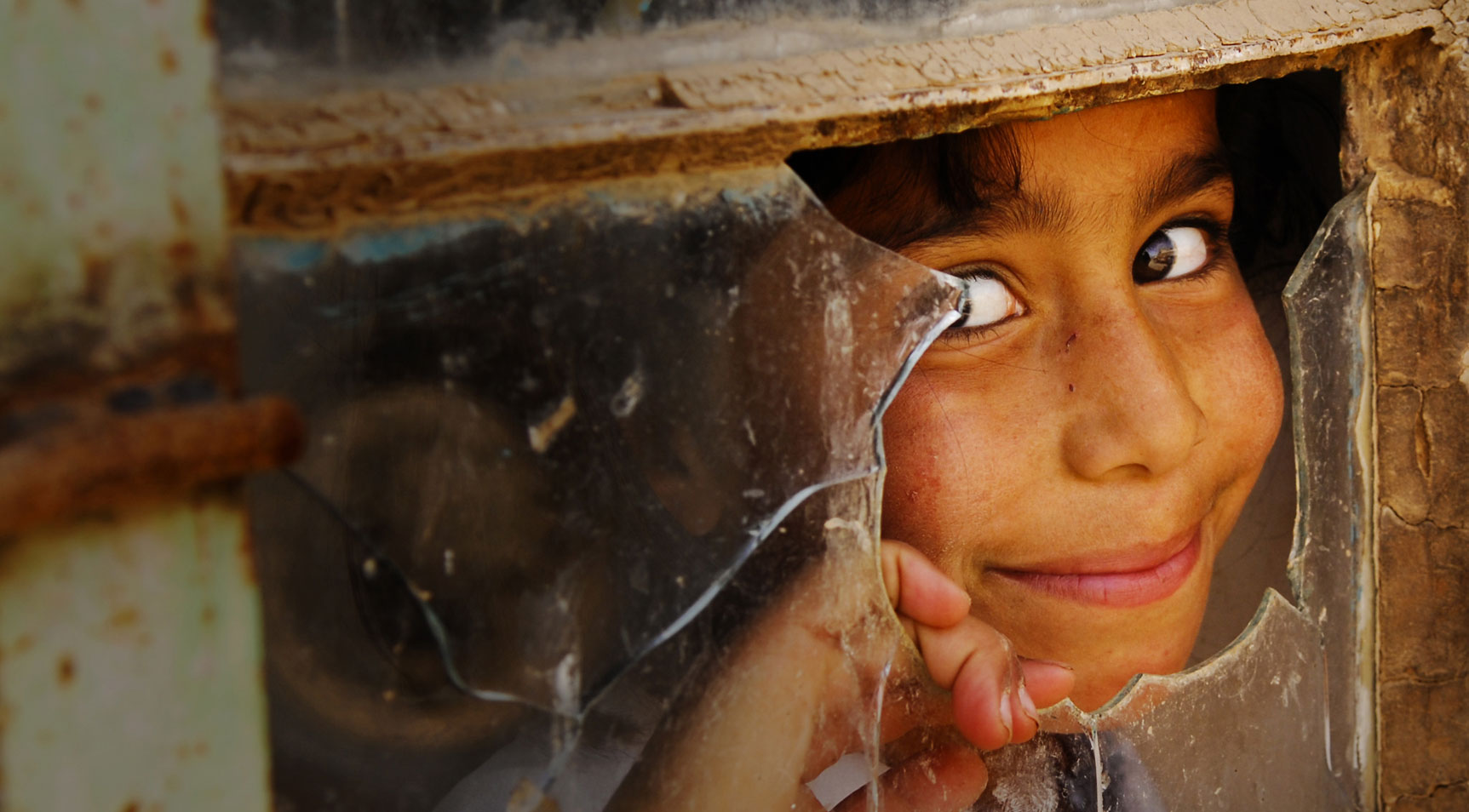 Iraqi girl - photo by  U.S. Army