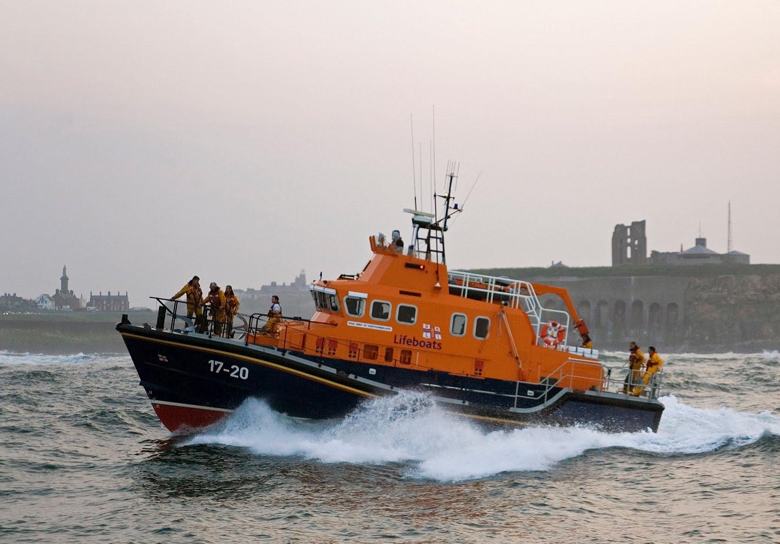AD-Tynemouth-RNLI-lifeboat-02.jpg