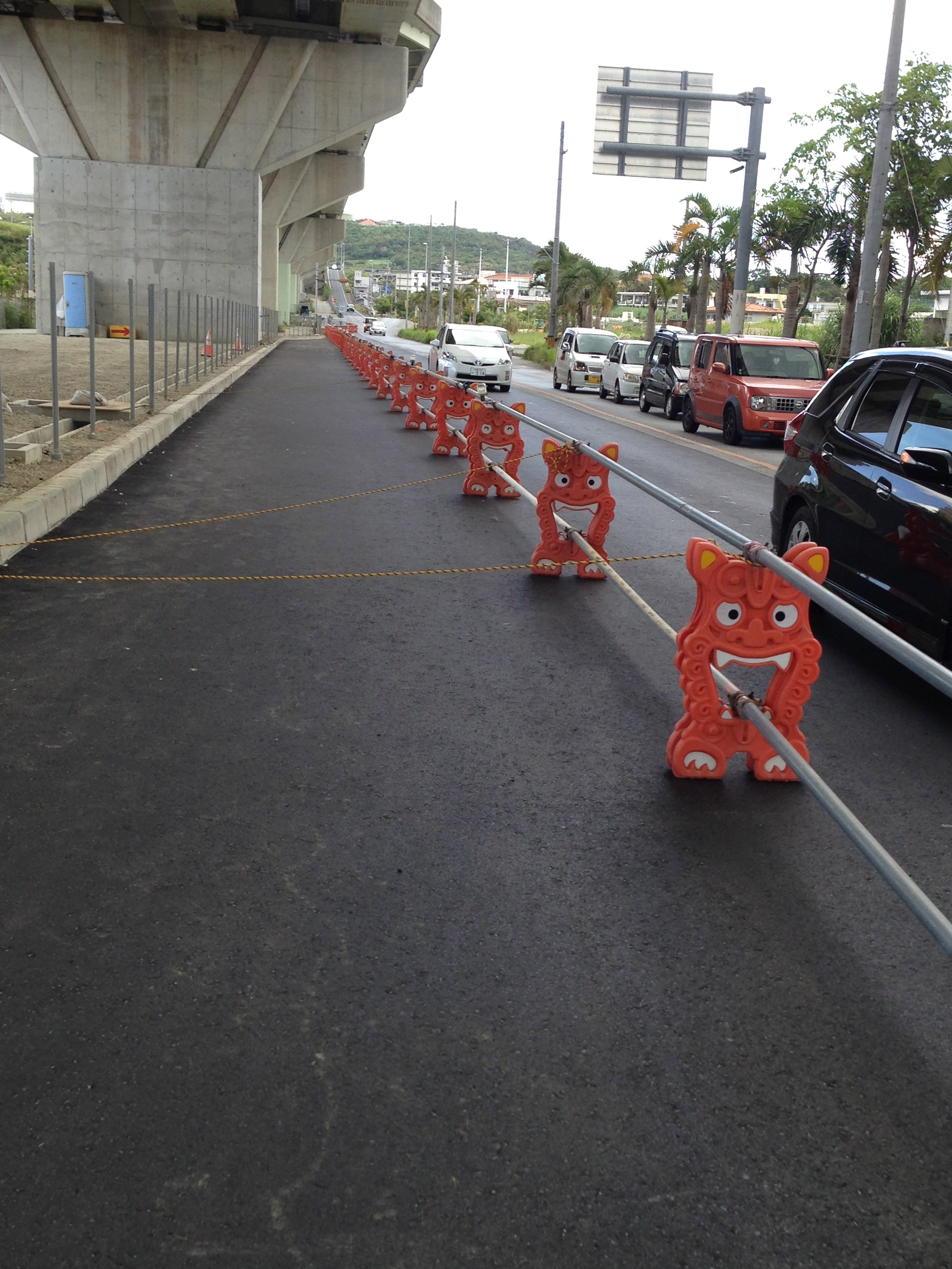 More shiisa. Only the Japanese could make road cones/barriers adorable and a joy to behold.