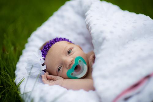 baby-blanket-outdoors