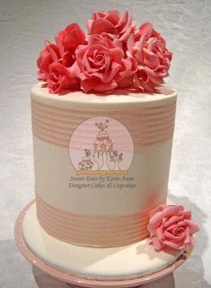 Ami Pink Roses Wedding Cake