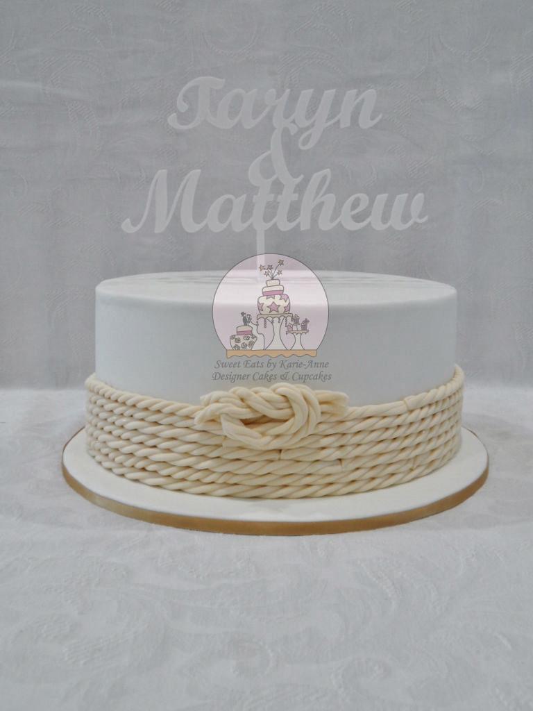 'Tying the Knot' Wedding Cake