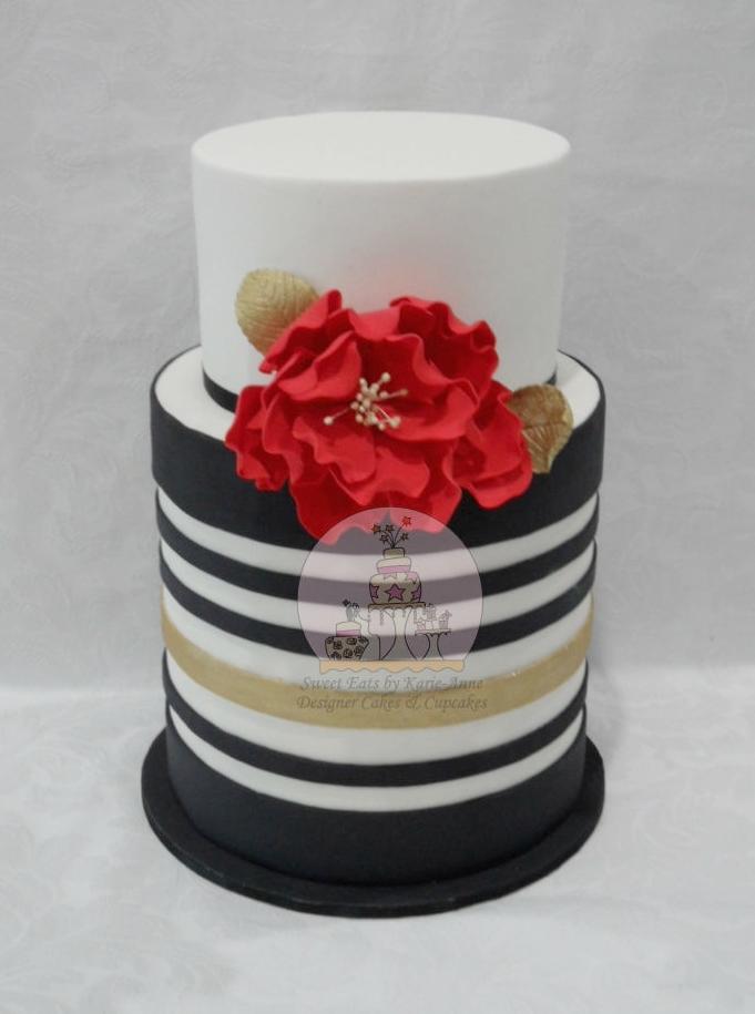 Black, White & Gold Striped Wedding Cake