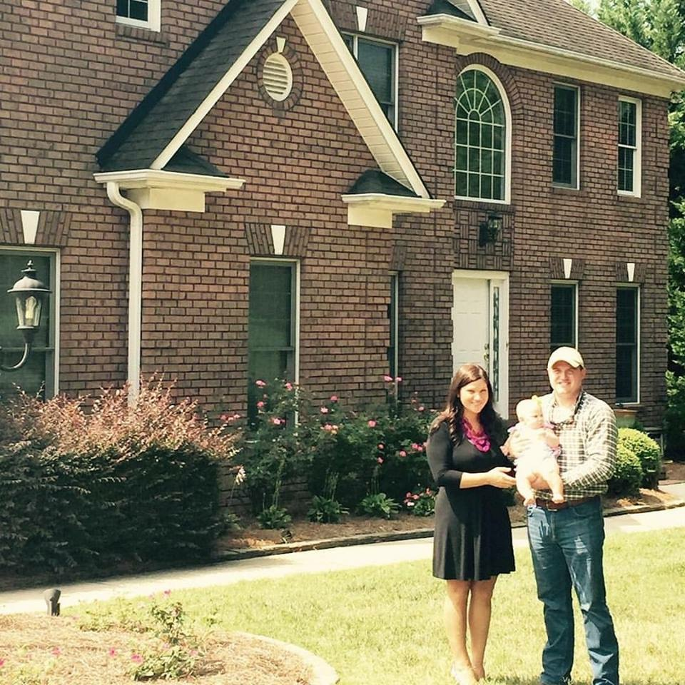 HOPE4USA Graduate, Amy W., and her beautiful new home!