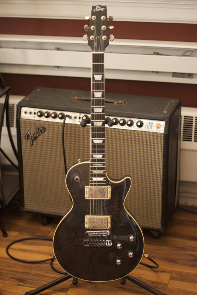 guitar_0004_Layer 10.jpg