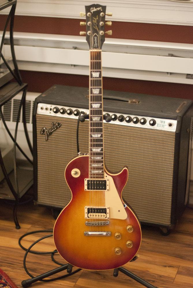 guitar_0012_Layer 1.jpg