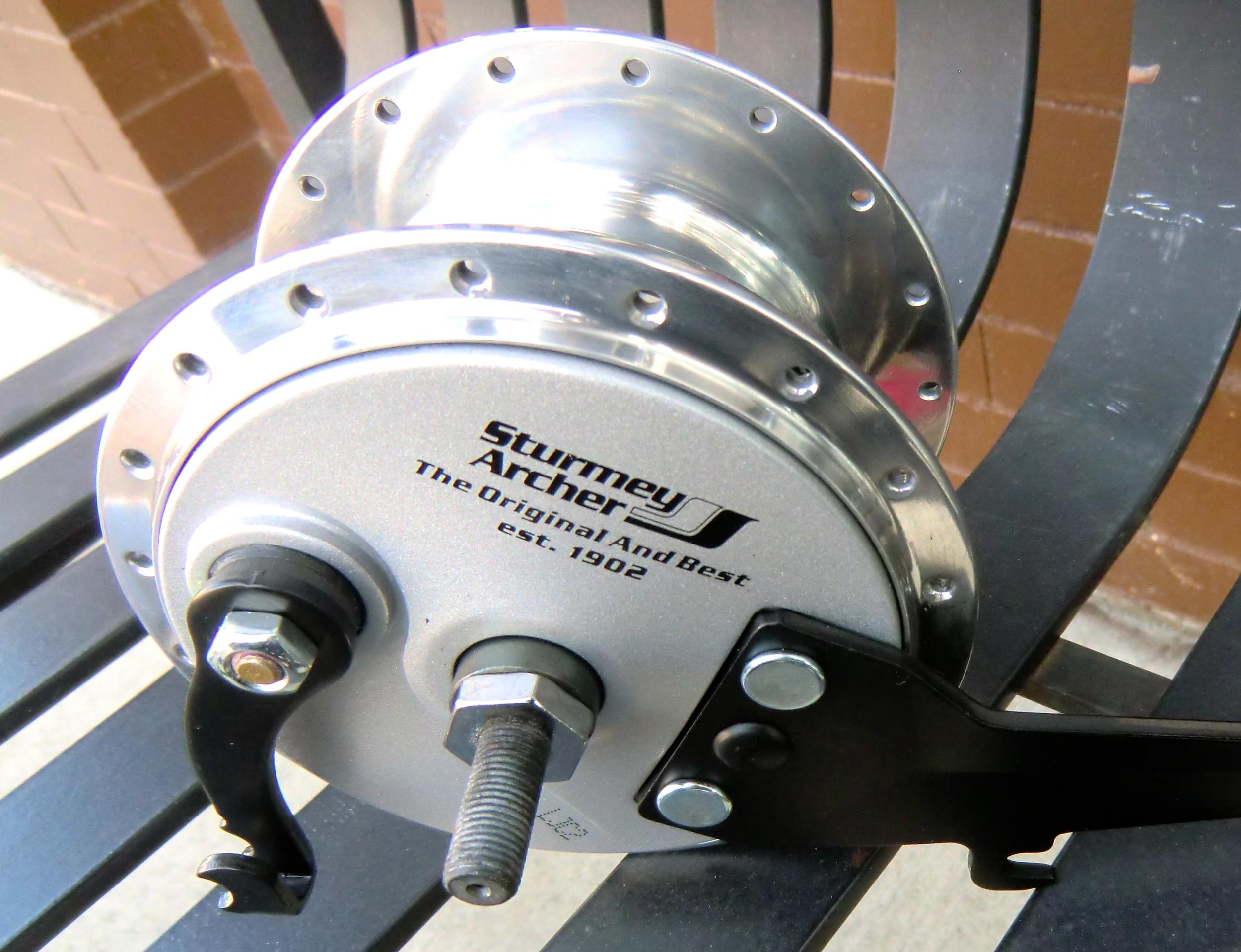 Front Dynamo Hub with drum brake