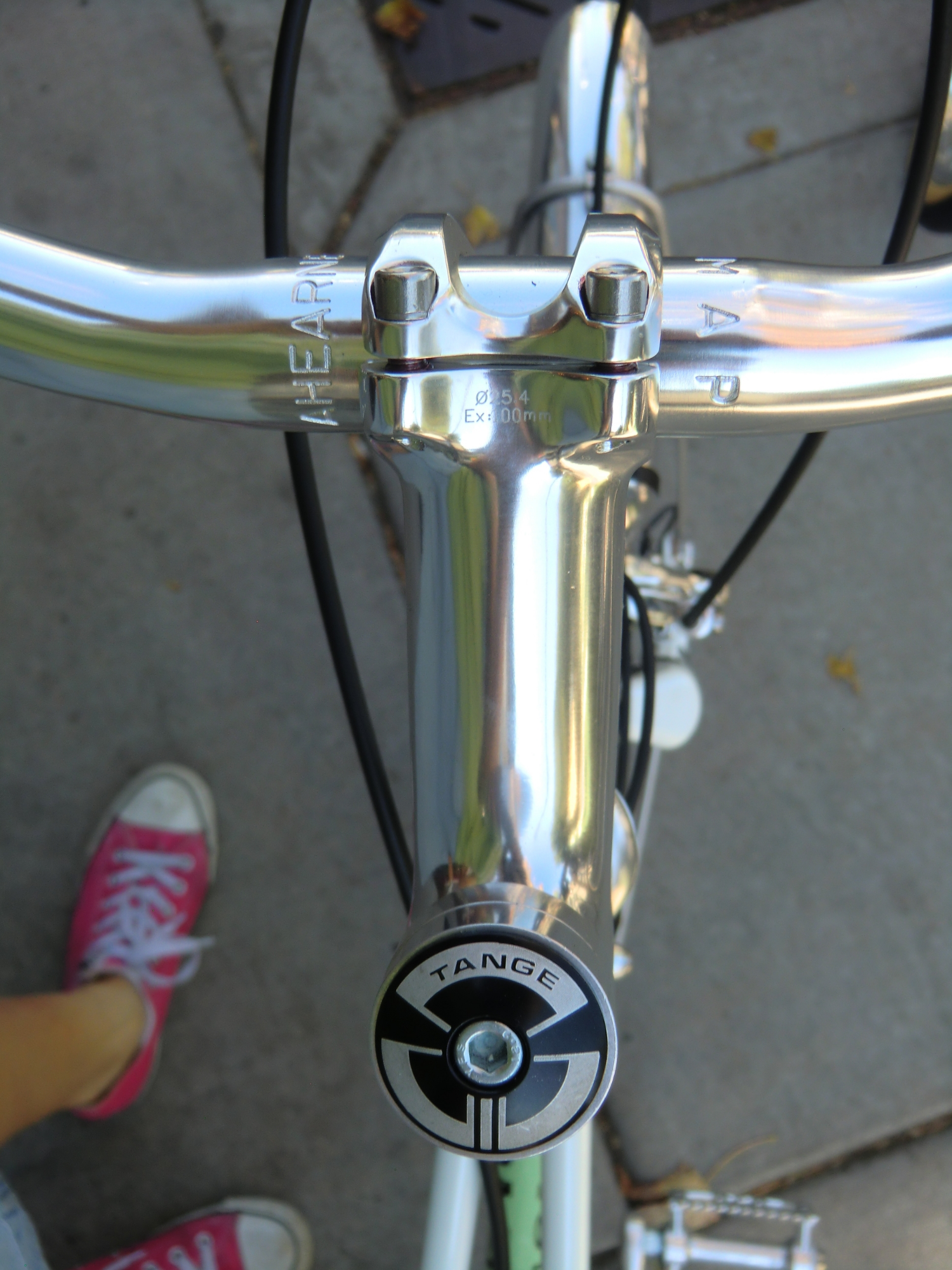 Tange head set. Don't skimp on your headsets, they hold your bike together over city streets.
