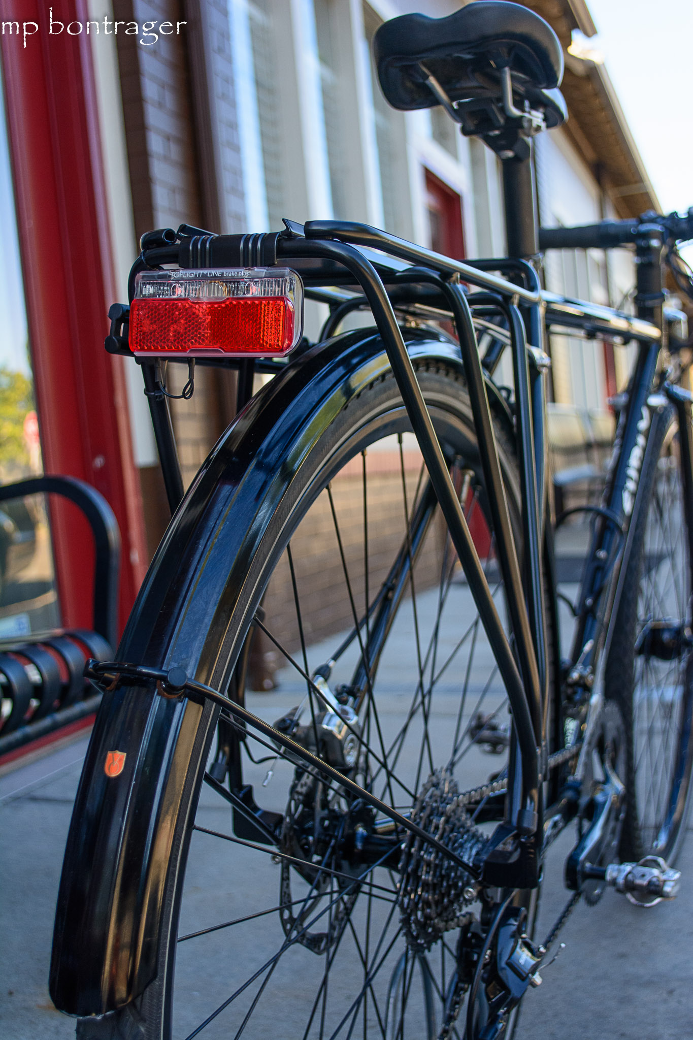 Toplight Line Plus BrakeTec, light pulses as the cyclist brakes