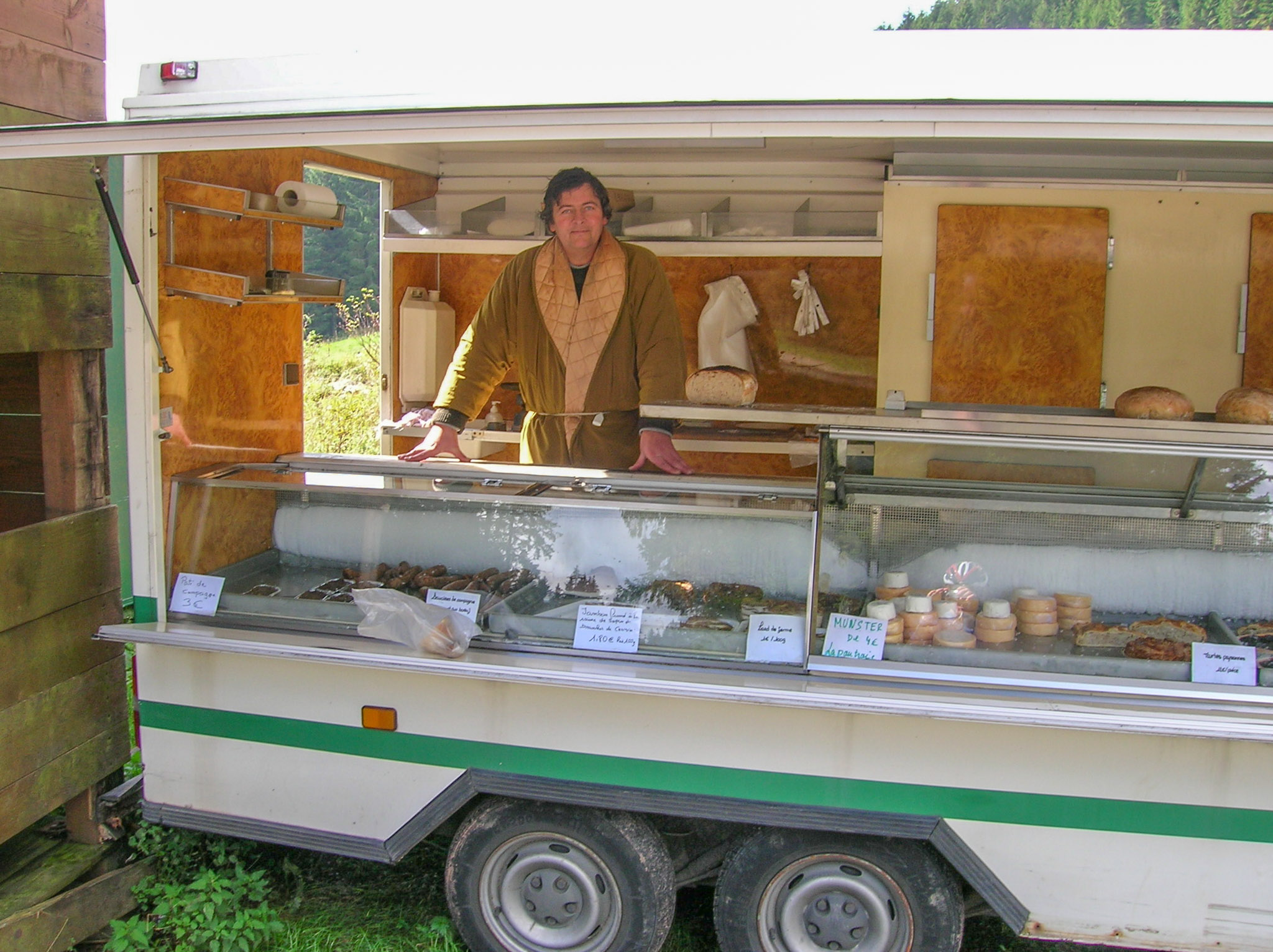 You never know who you will meet on top of the pass, food truck in the French Alps.