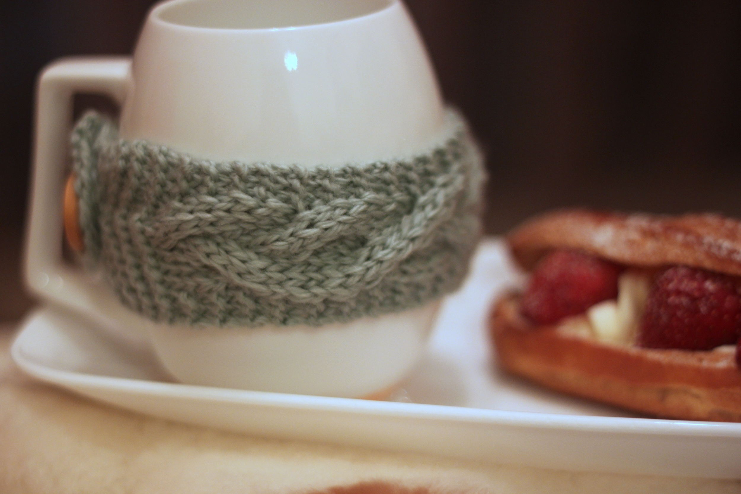 knitted mug holder 2.jpg