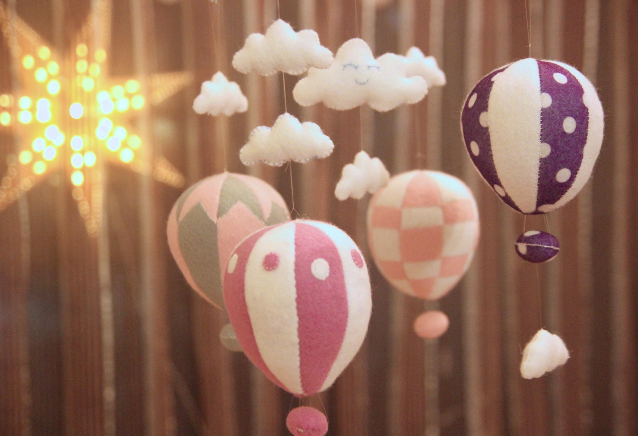 Handmade hot air ballon baby mobile