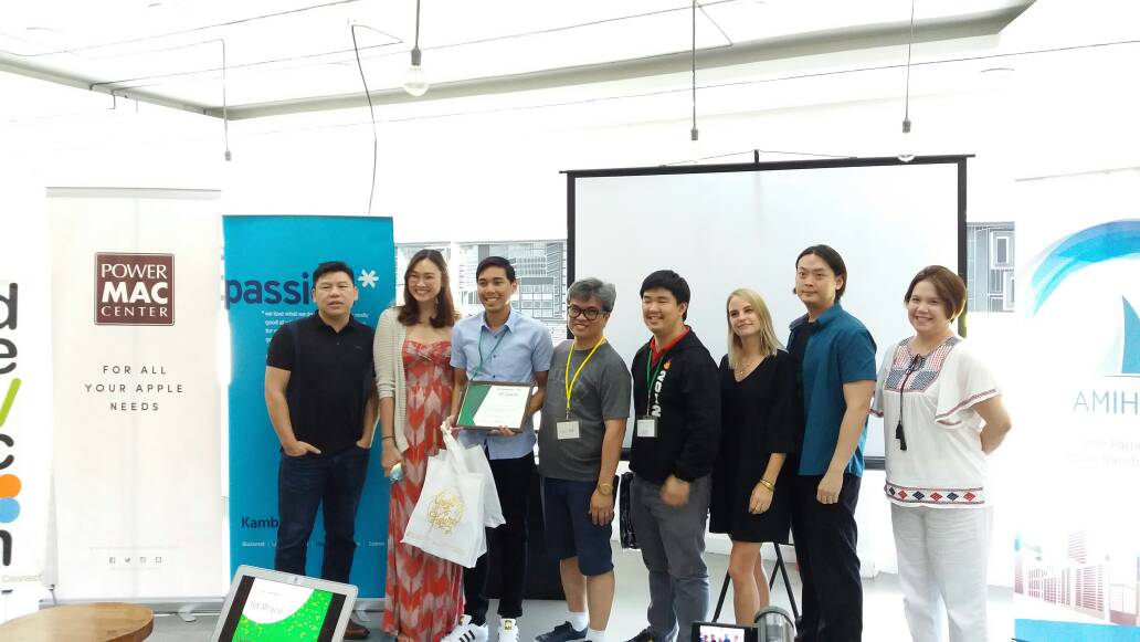 Xavi was mentored by Marketing Program Head, Mony Romana. (Photo from Startup Weekend Manila)