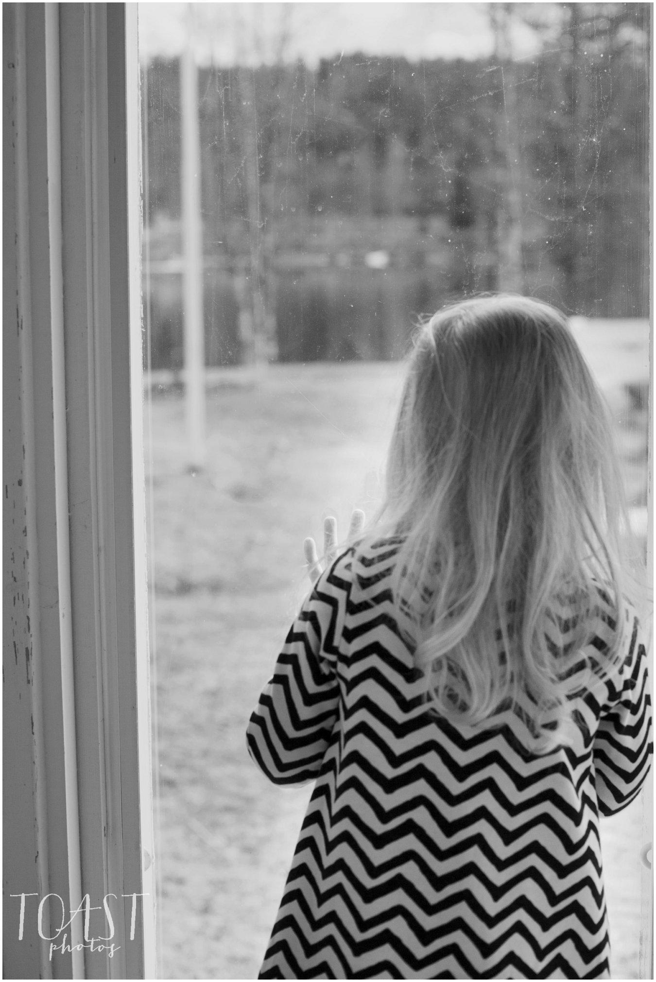 Kurkistus-ikkunasta-kolmevuotiskuvauksessa