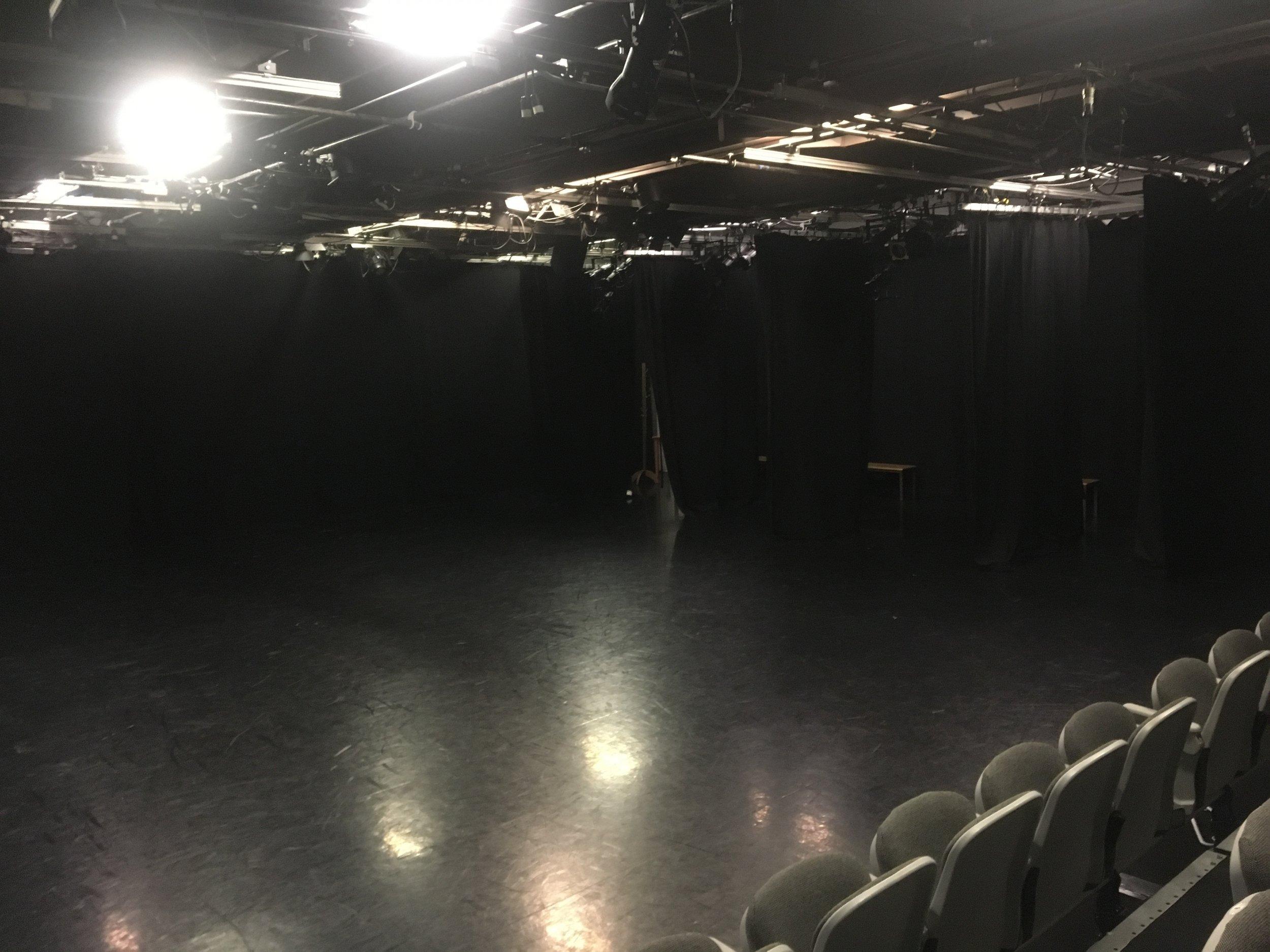 Theatre 5.jpg