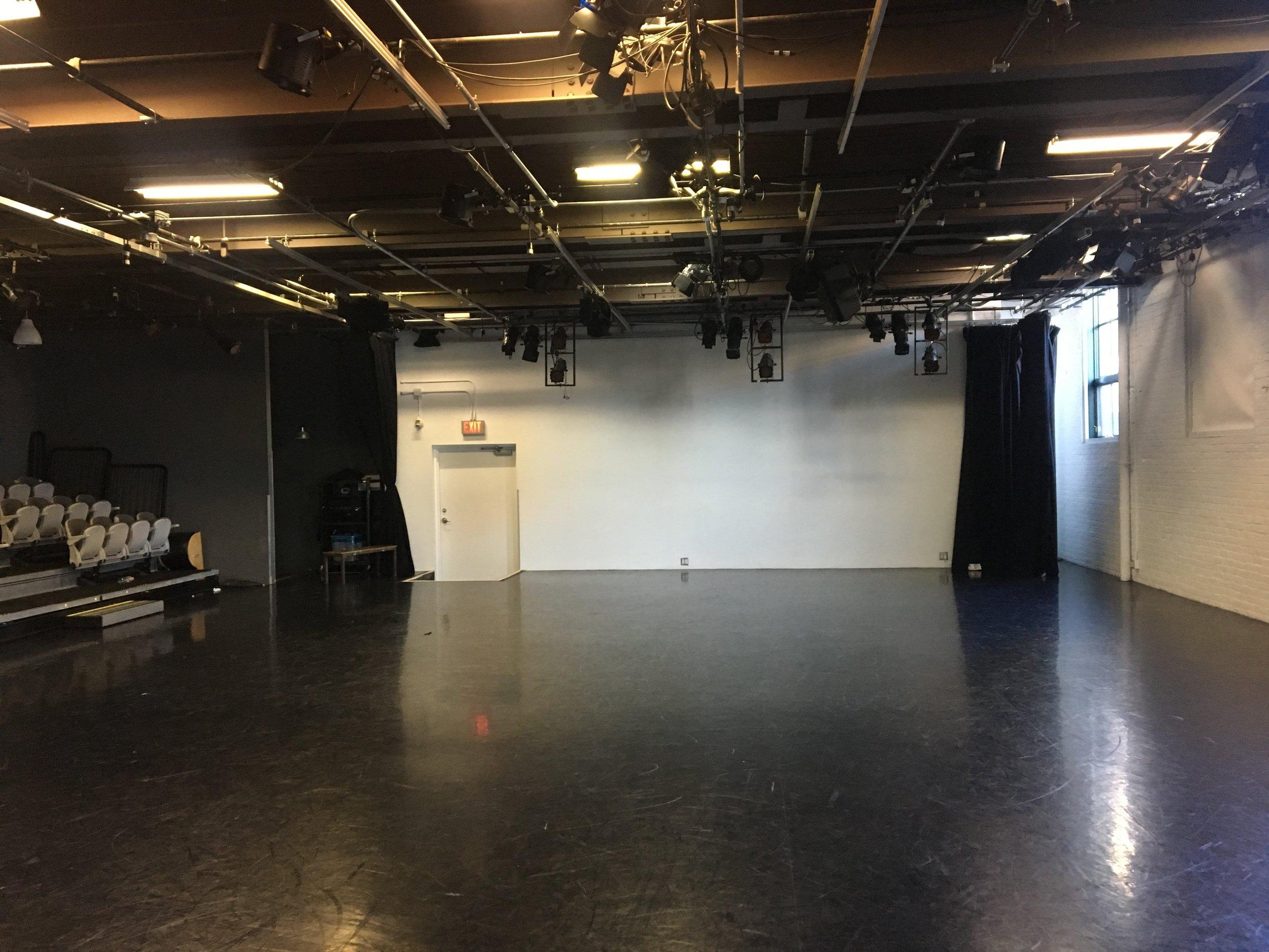 Theatre 11.jpg
