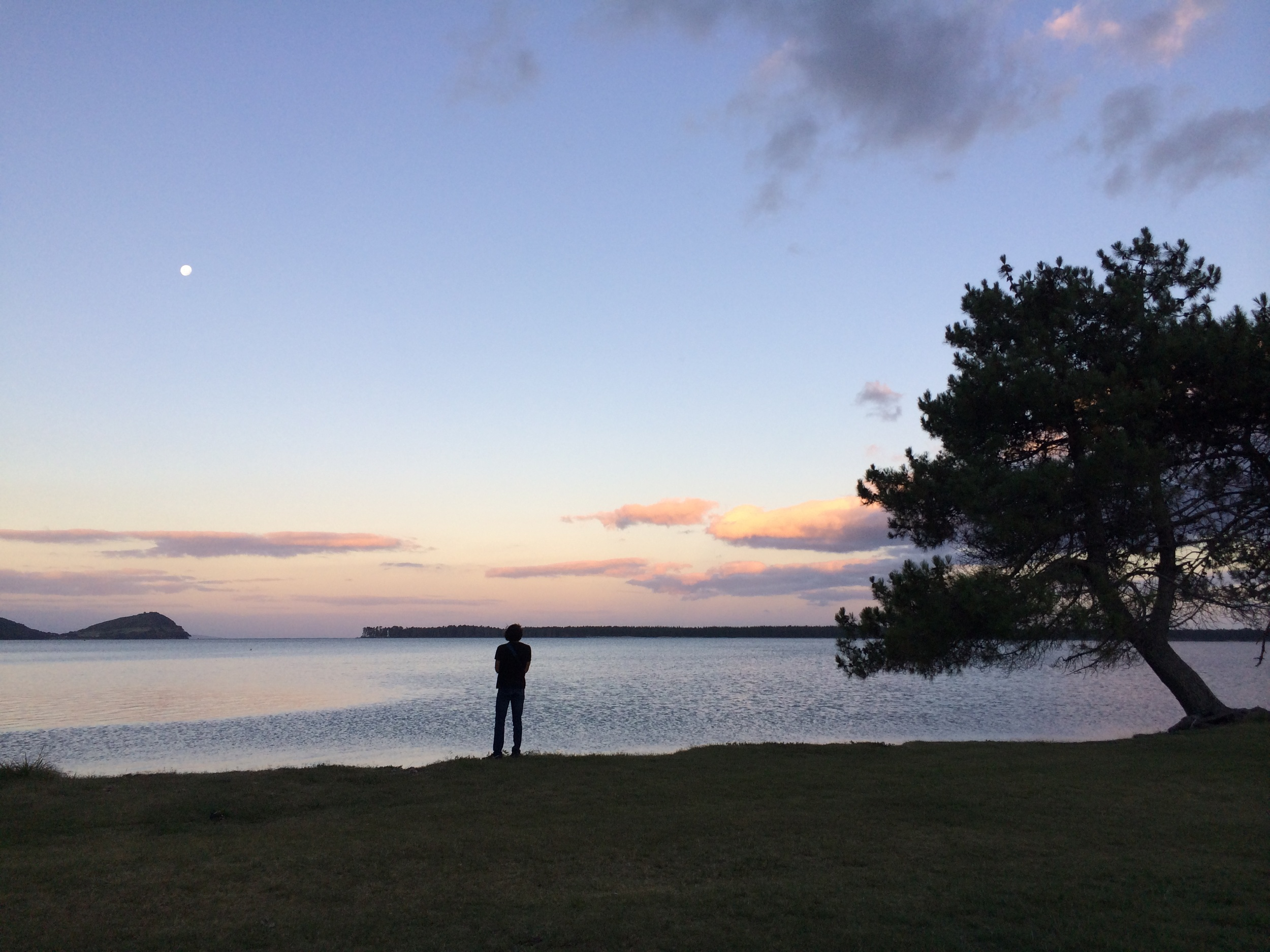 alex and the moon at tuapiro point.