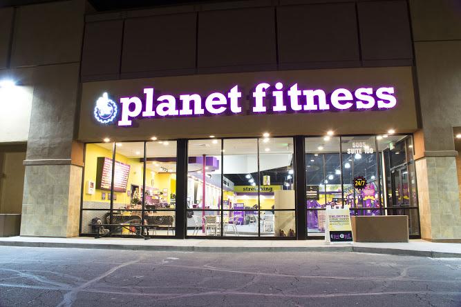 06-planet-fitness.jpg