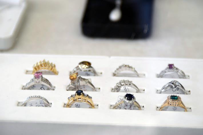 01-schlener-jewelry-northglenn.png