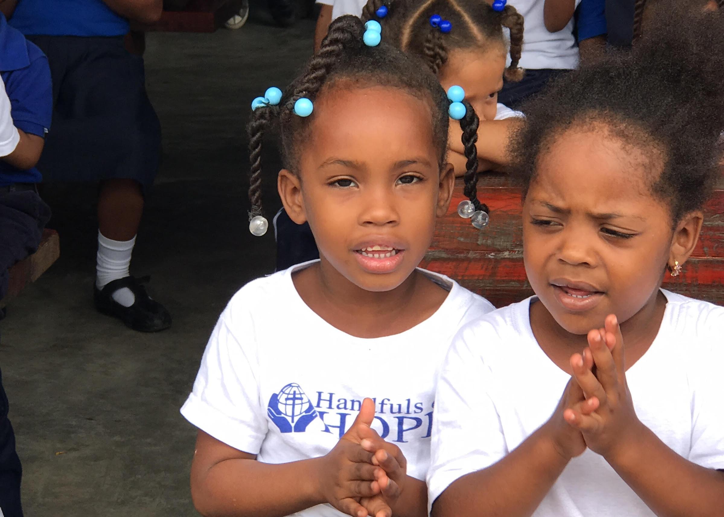praying_girls.jpg