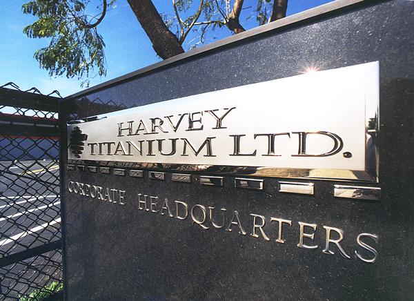 Harvey-Ti.-Granit-Monument.jpg