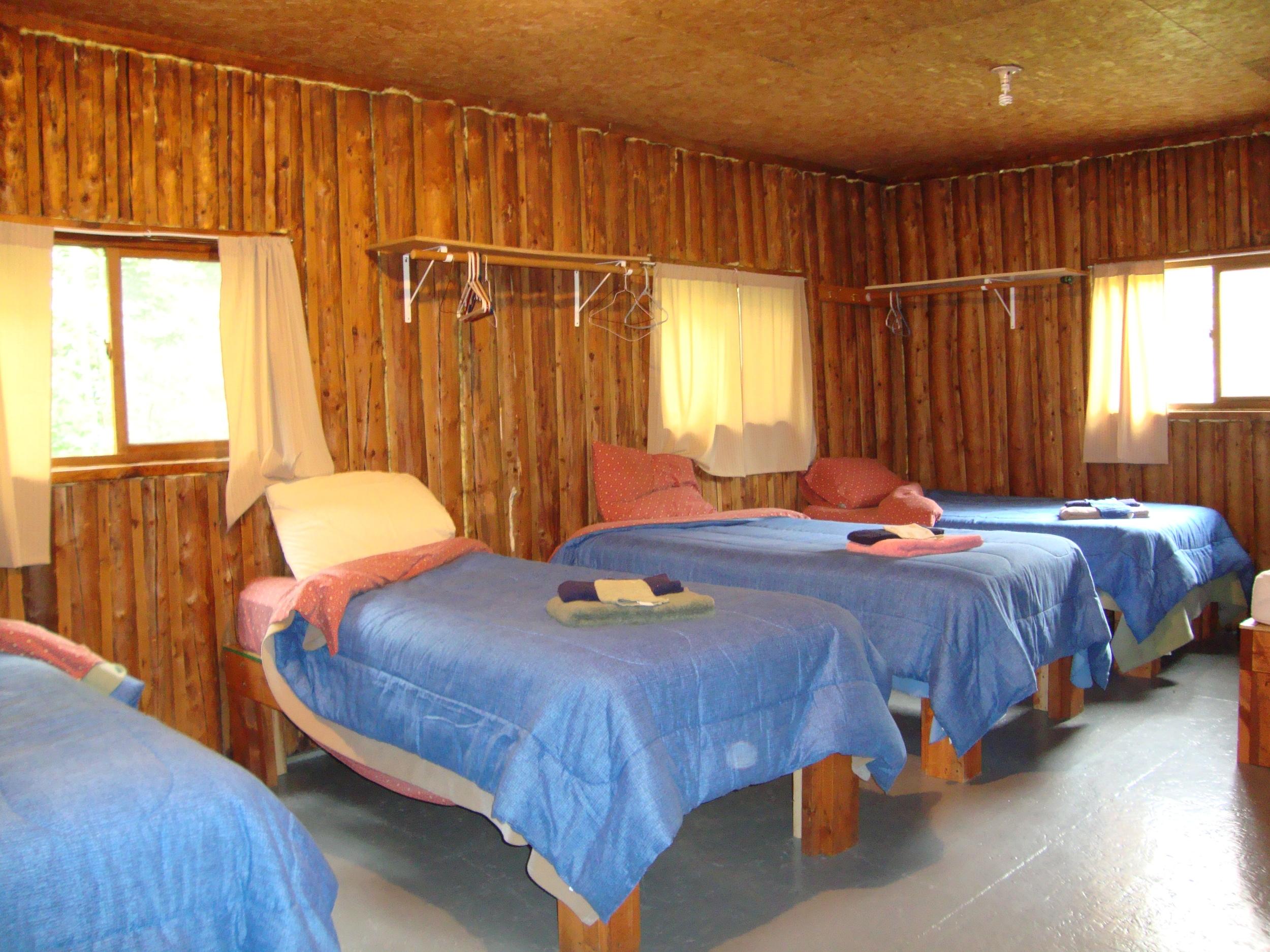 Cabin 6 Bedroom 2.jpg