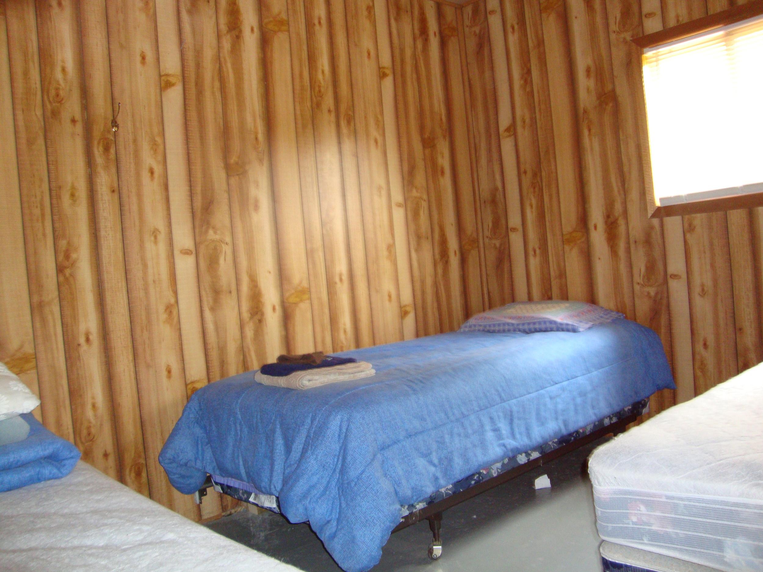 Cabin 8 Bedroom.jpg