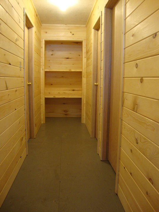 Cabin 9 Hallway.jpg
