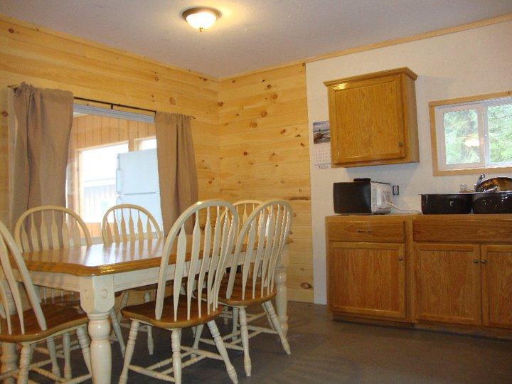Cabin 9 Kitchen.jpg