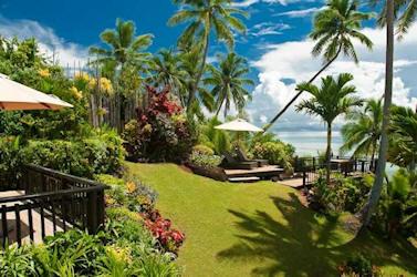 Taveuni Palms grounds.jpg