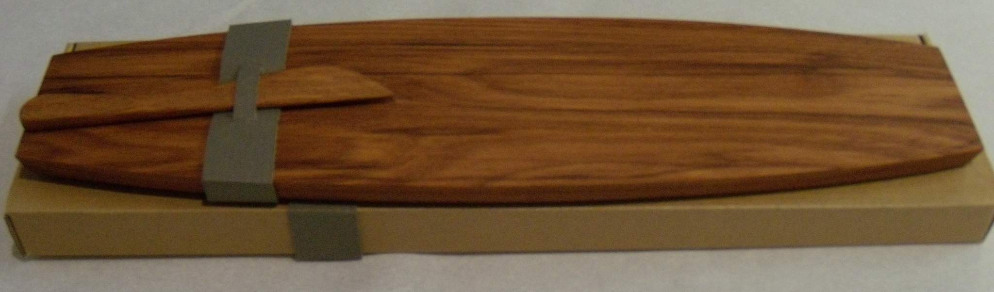 Waka Pate / Cheese Board and Knife Measures 440 mm l x 110 mm w