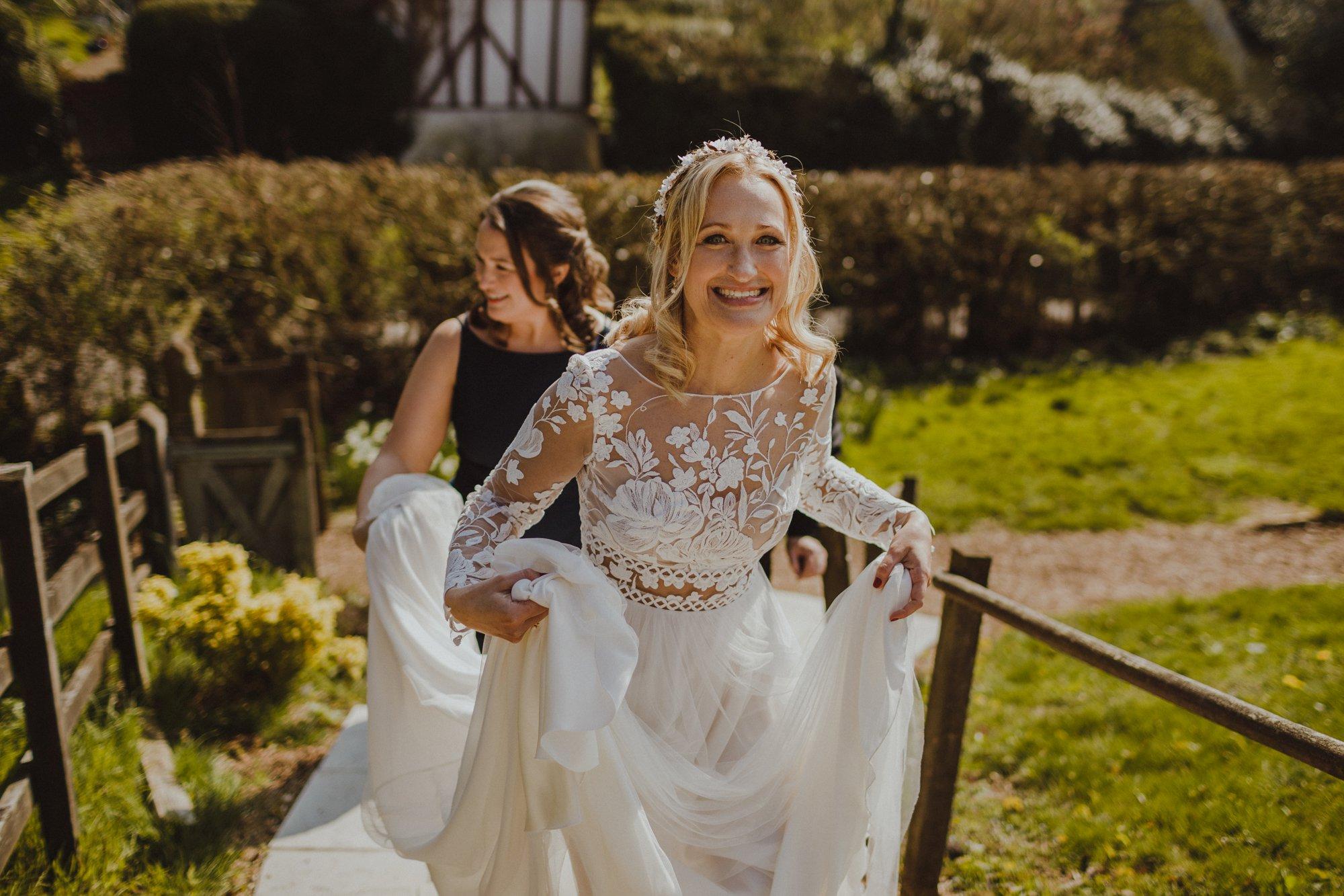 farmhouse-at-redcoats-wedding-hertfordshire_0024.jpg