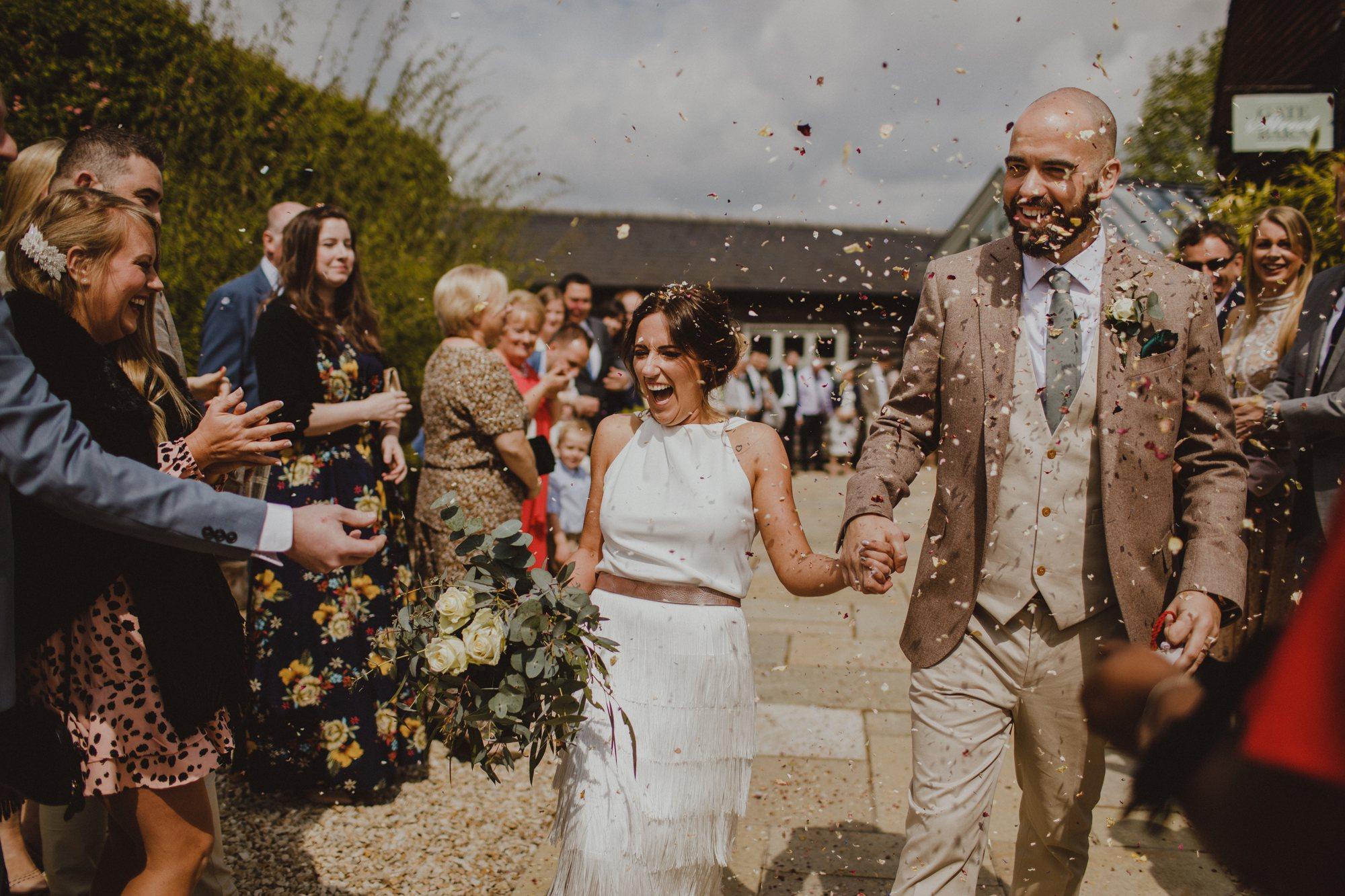 gate-street-barn-wedding-surrey_0025.jpg