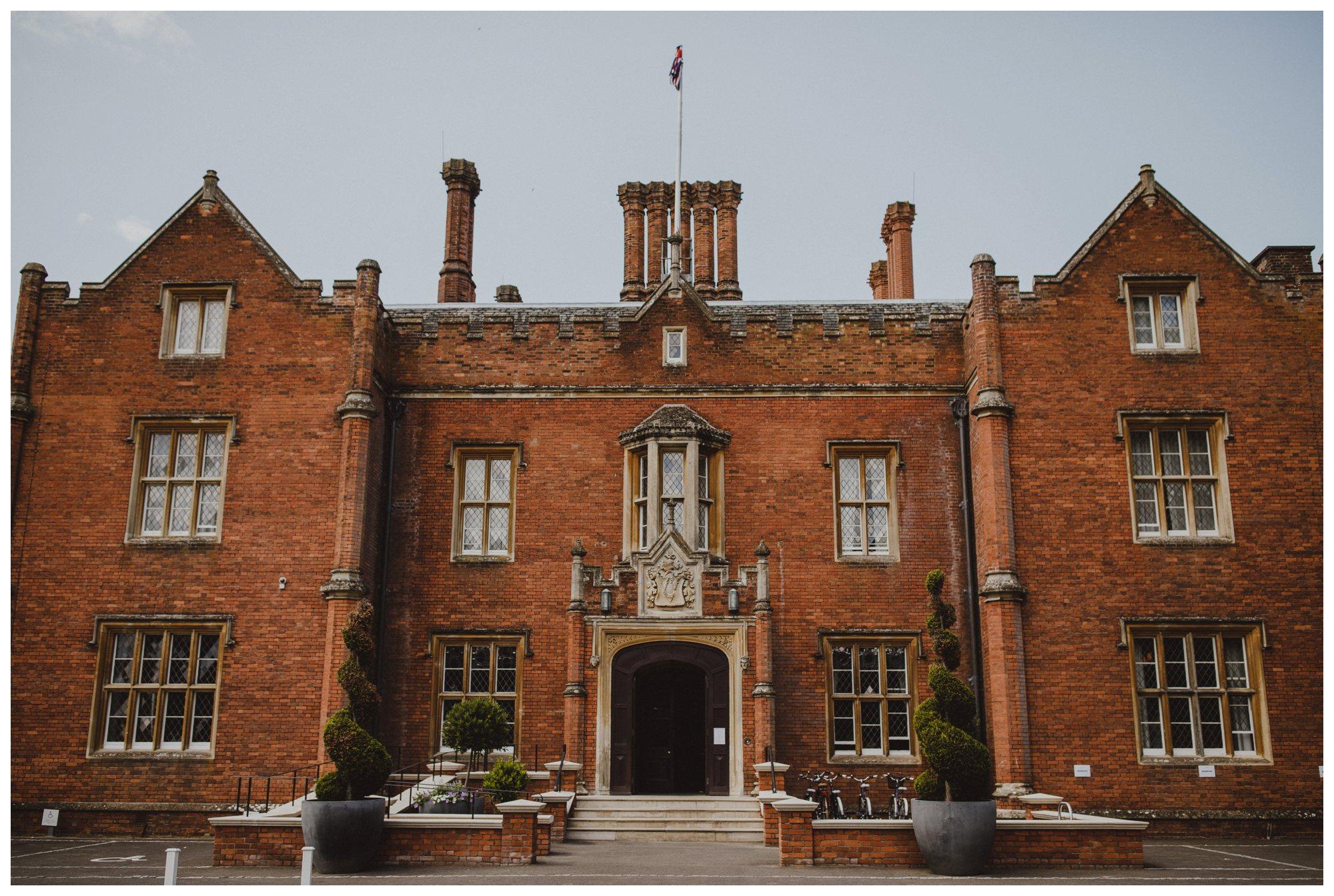 de-vere-latimer-estate-wedding-buckinghamshire_0018.jpg