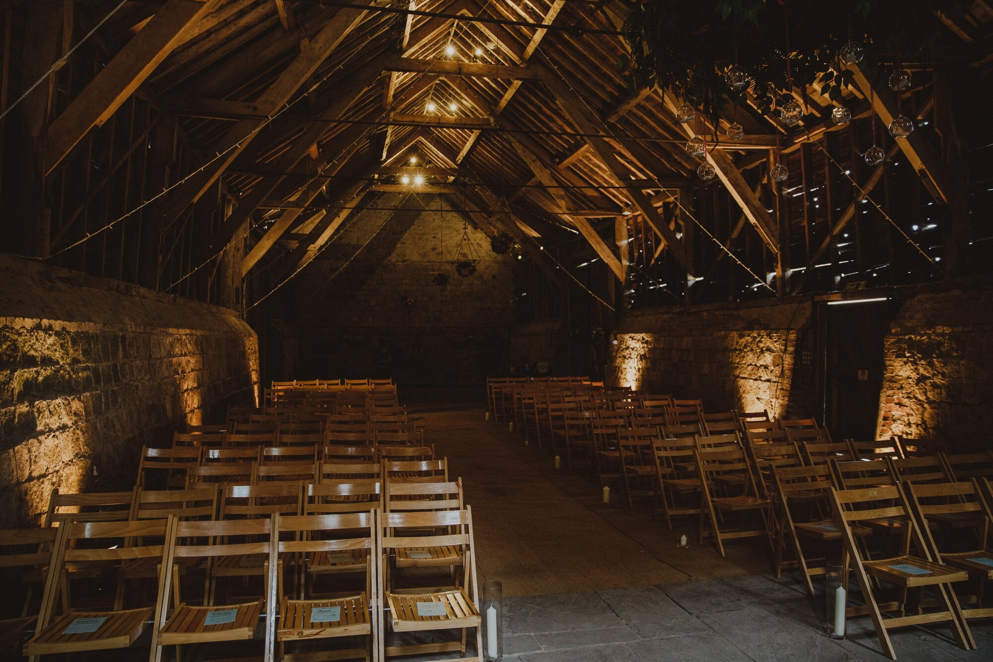 wiltshire-barn-wedding_0003.jpg