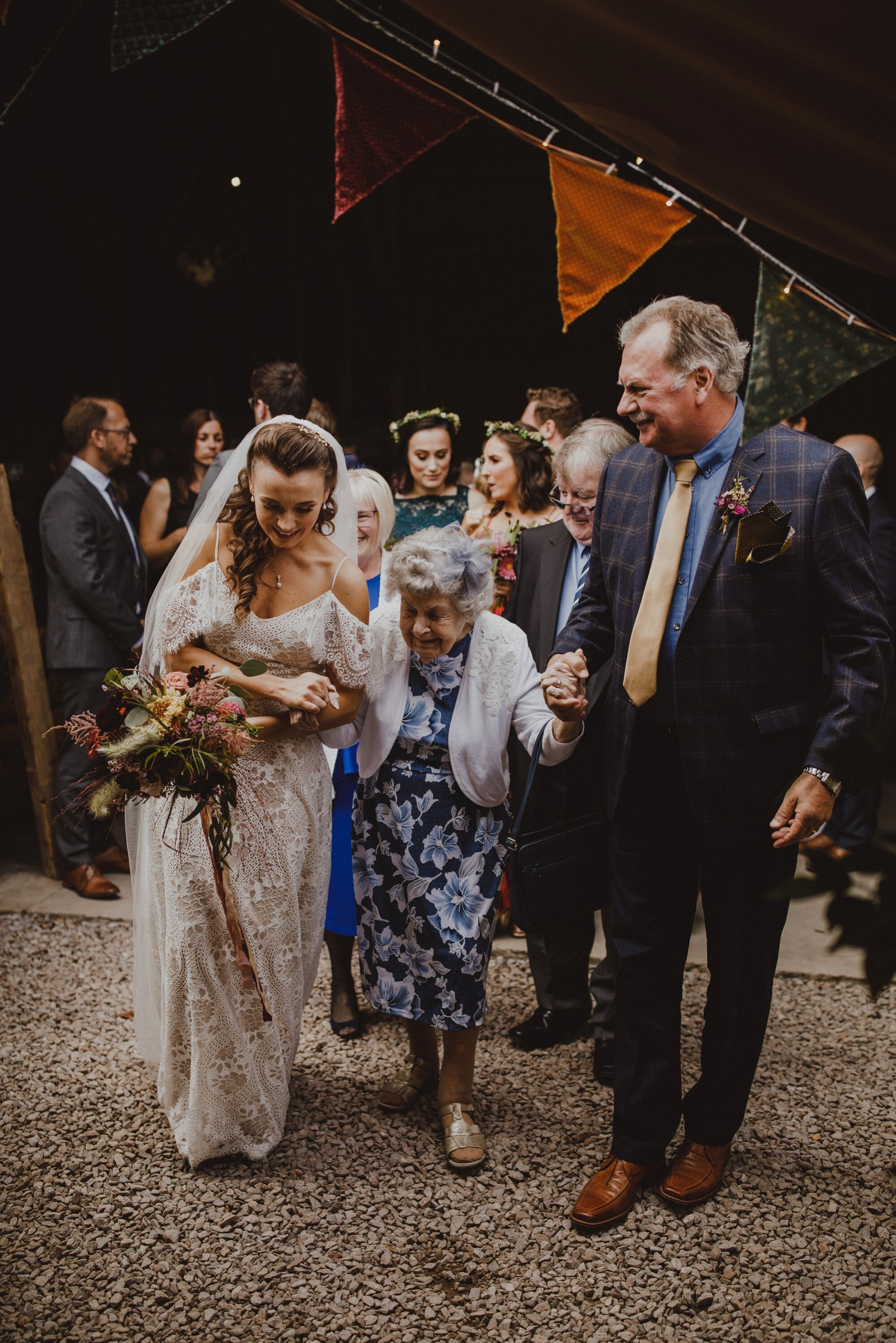 wiltshire-barn-wedding_0092.jpg